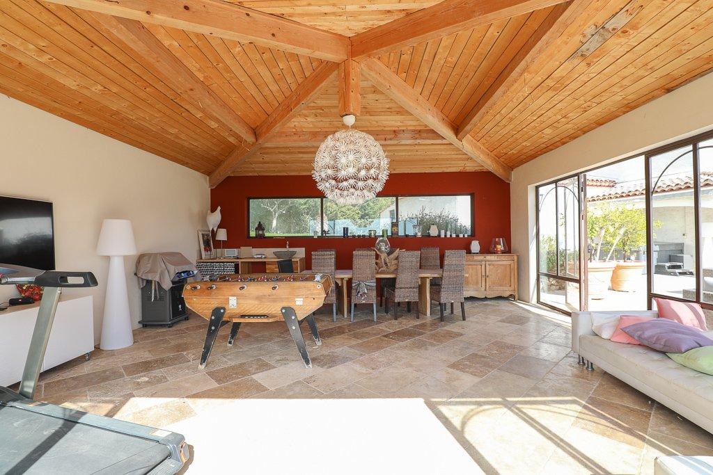 LA PANORAMIQUE Villa de T7 de 300m2 - terrain 2700m2 + piscine