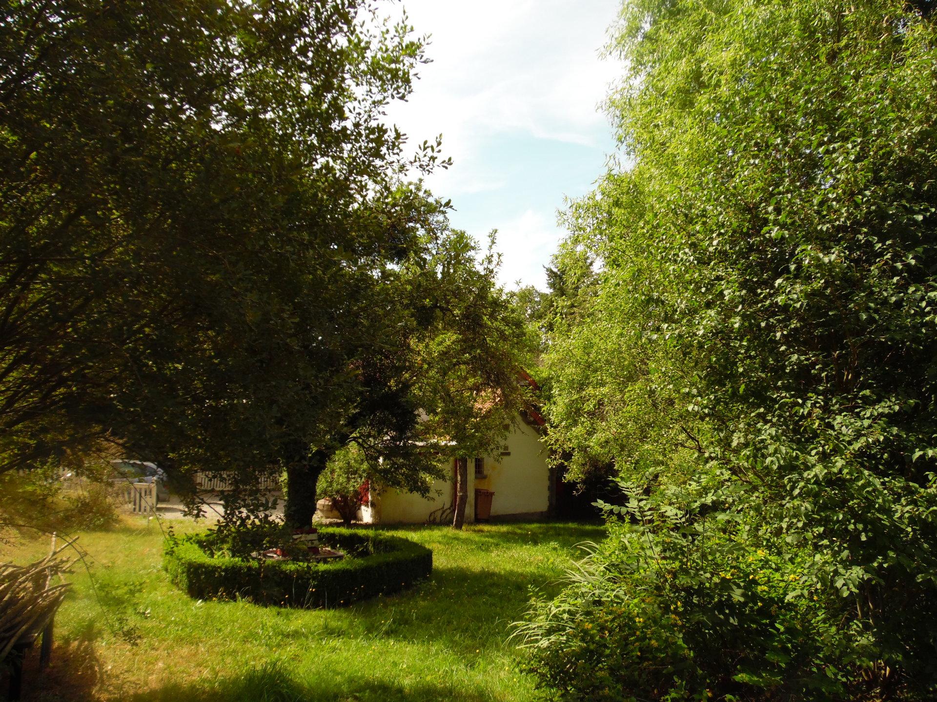 A vendre dans la Creuse, ancienne maison de garde, rénovée.