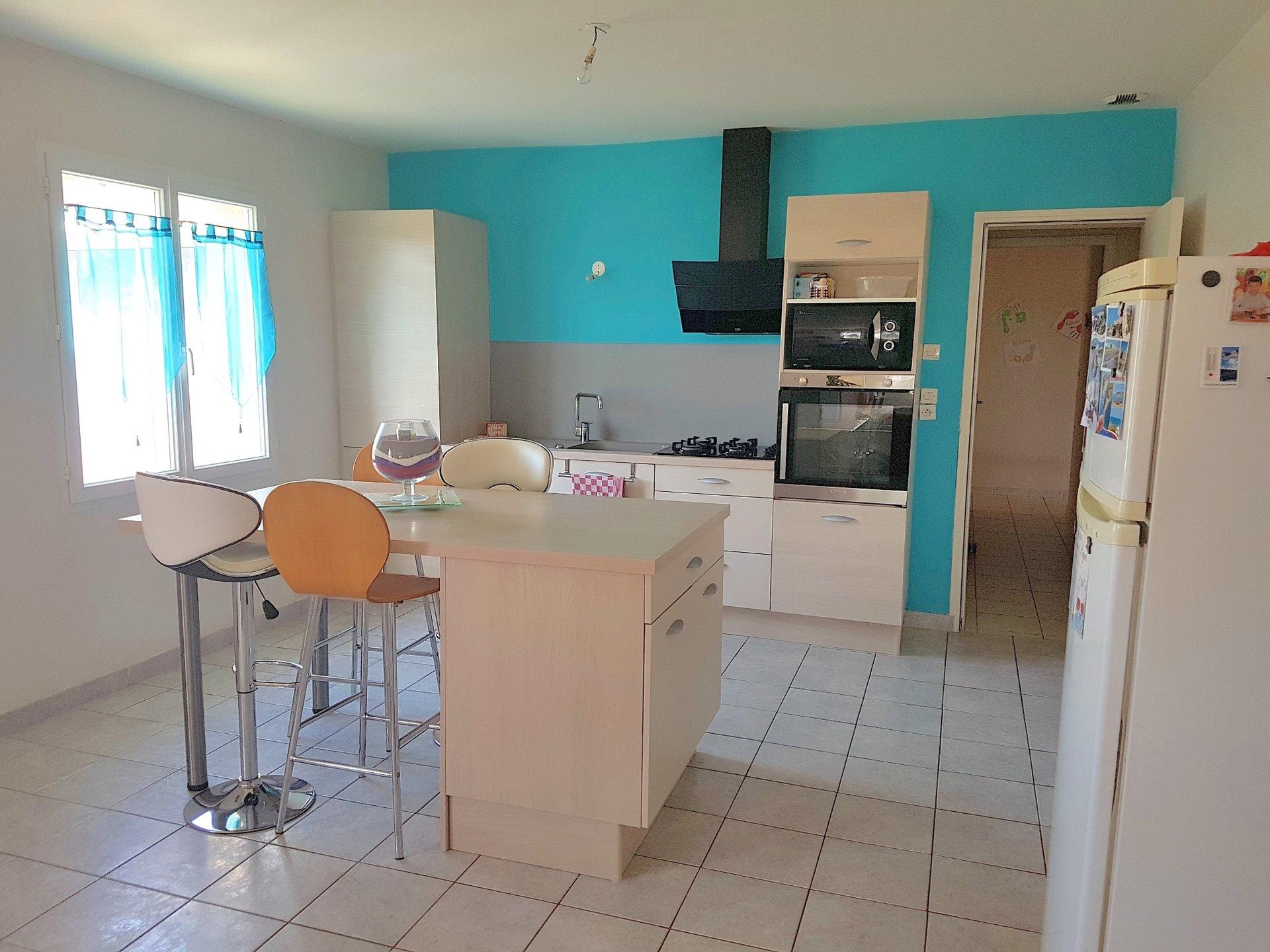 La Brenne, Indre 36: recente woning met bouwgrond
