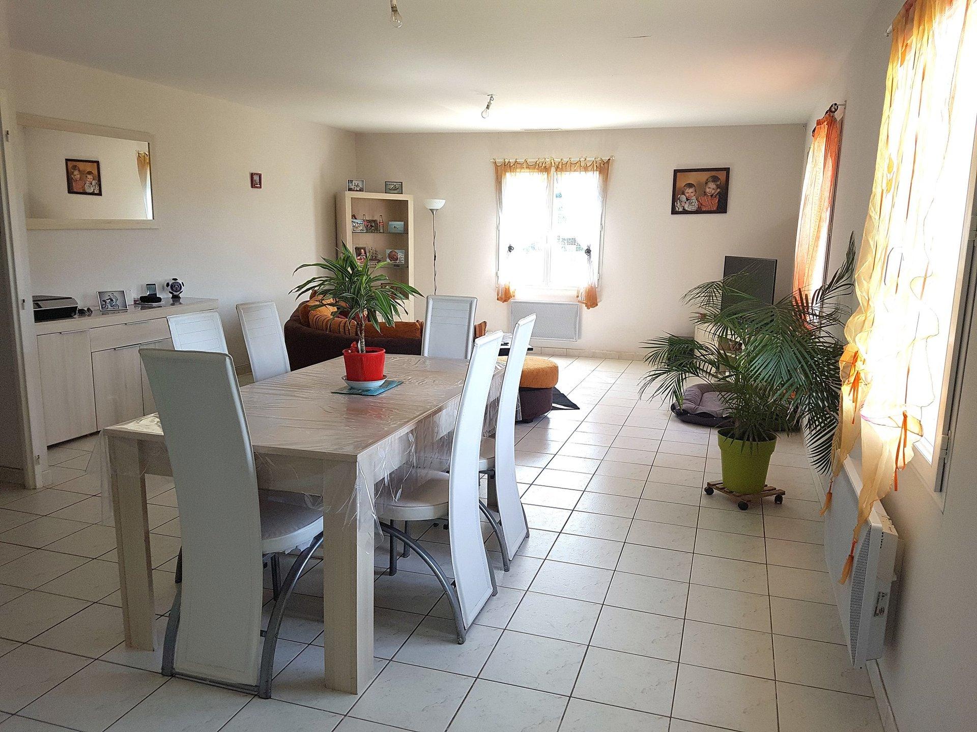 La Brenne, Indre 36: maison recente et terrain constructible