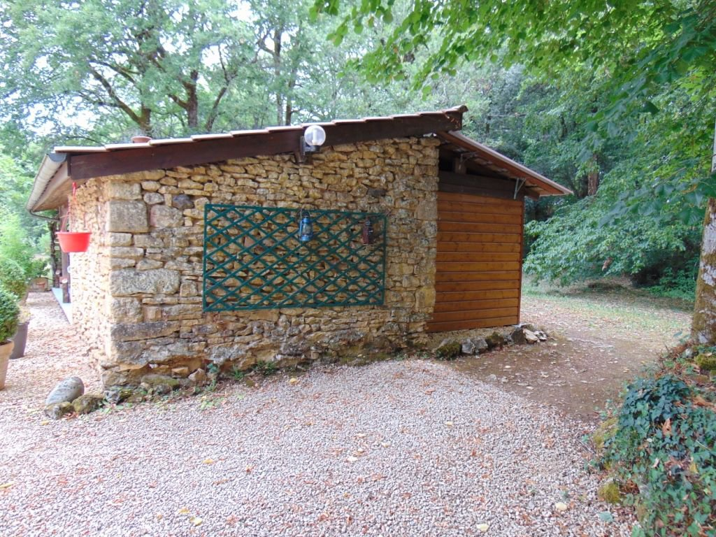 DORDOGNE - Border of Sarlat, nice house with guesthouse and pool on 1,1 ha