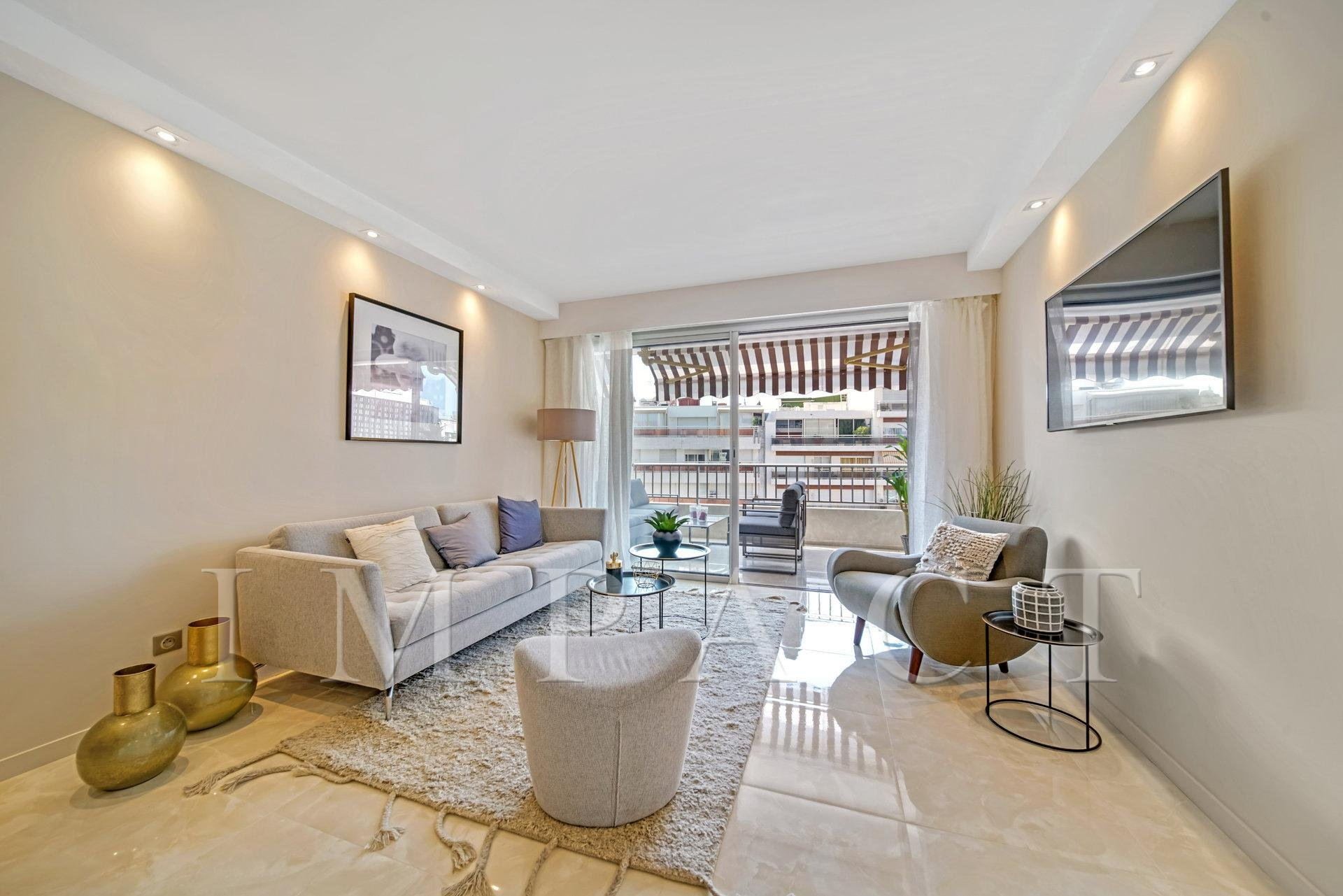 2 Bedrooms apartment for sale Cannes Center
