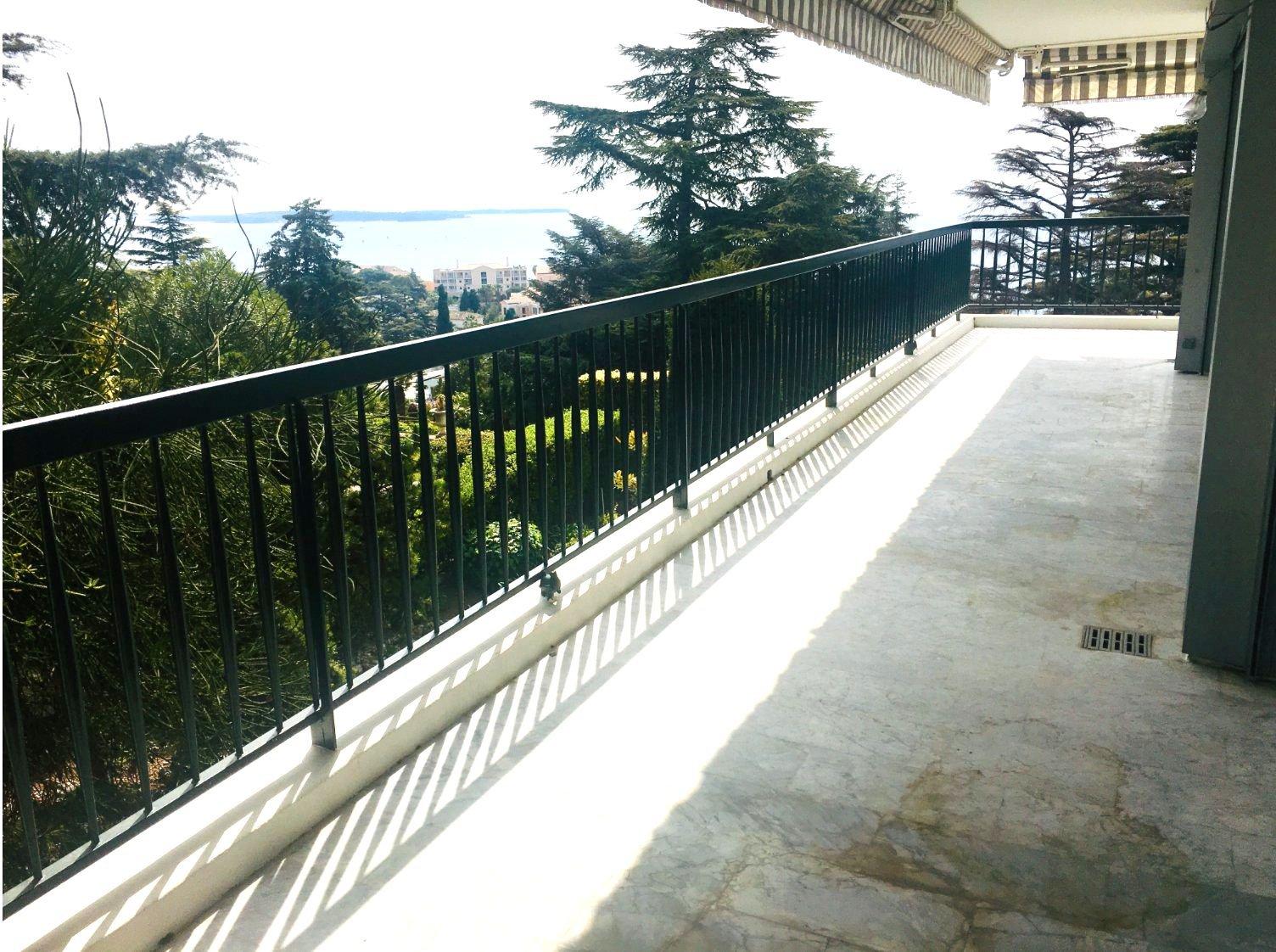 Cannes Croix des gardes 5p vue mer panoramique rénové