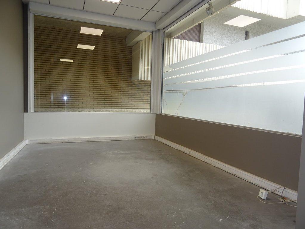 Busca, Local commercial de 36 m².