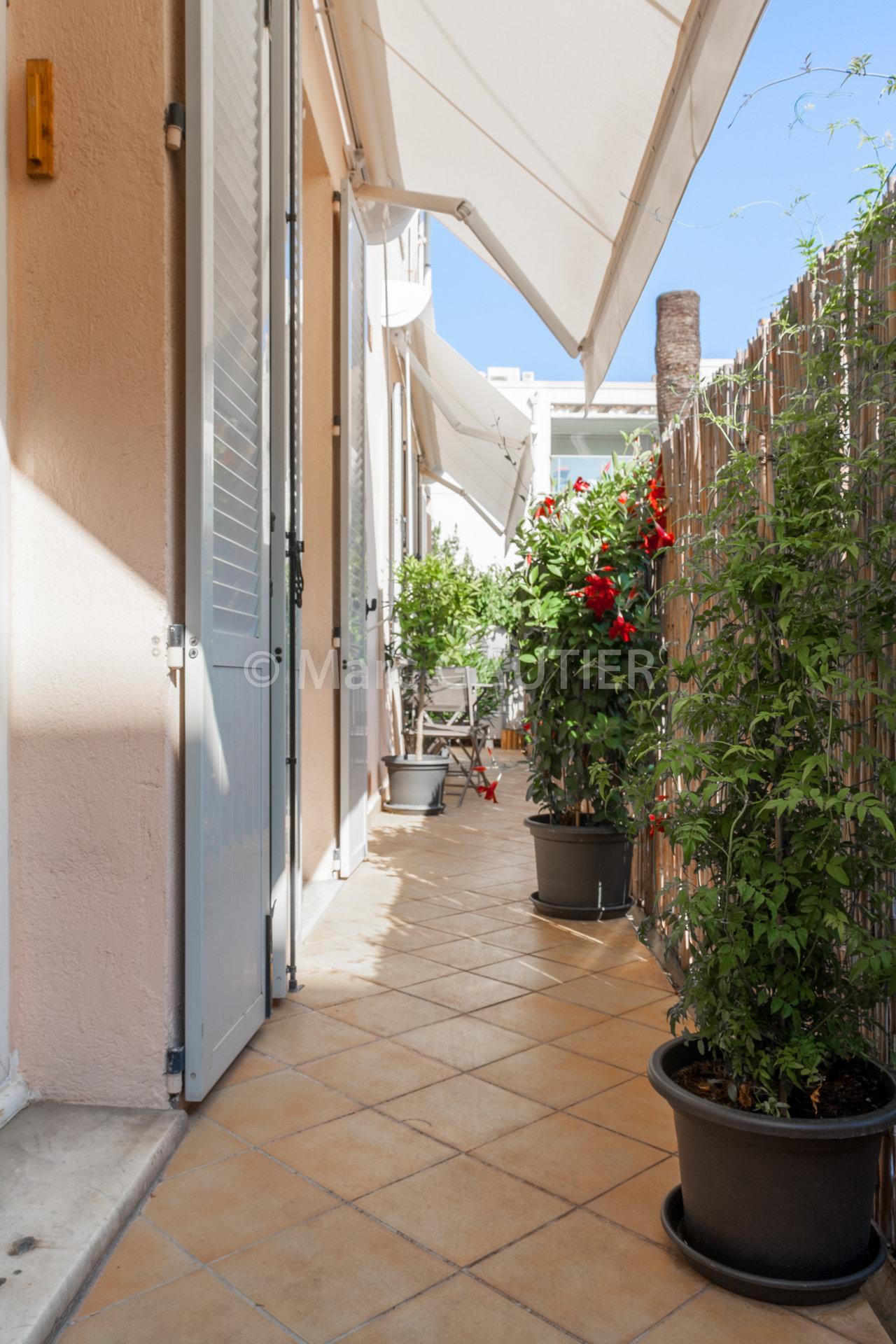 Cannes Suquet, Grand 2 pièces avec balcon