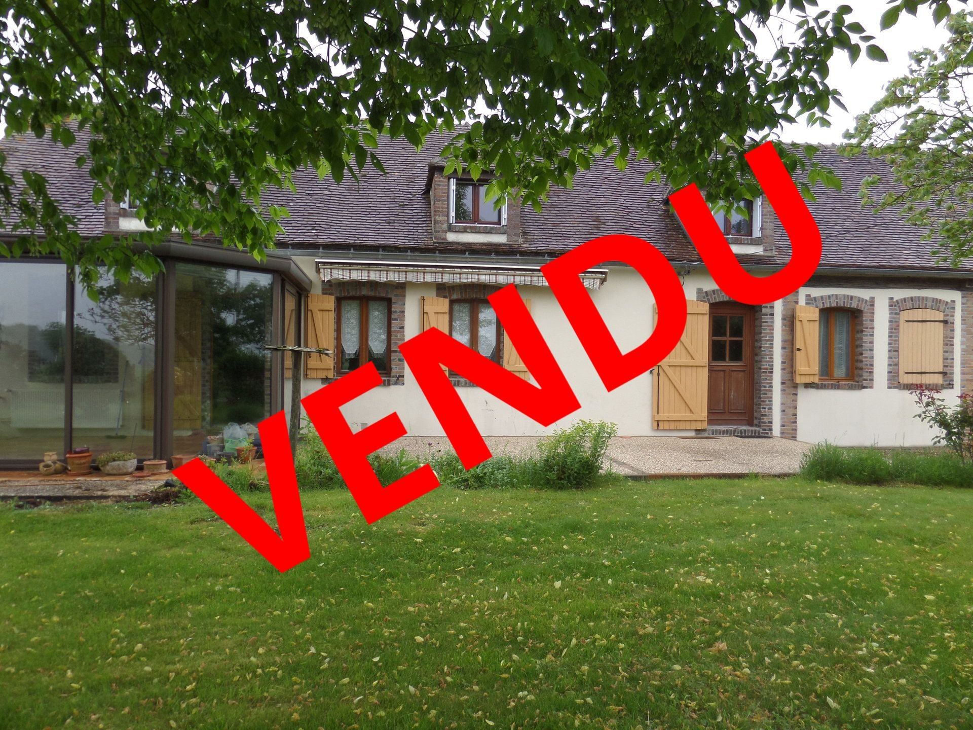 Sale Farmhouse - Saint-Julien-du-Sault
