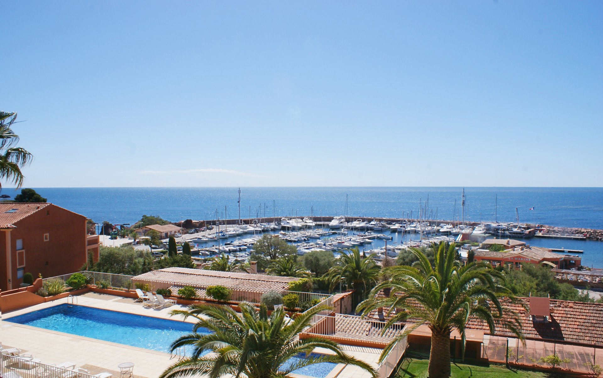 Magnificent sea views from this 1 bedroom apartment right by the * BM B8