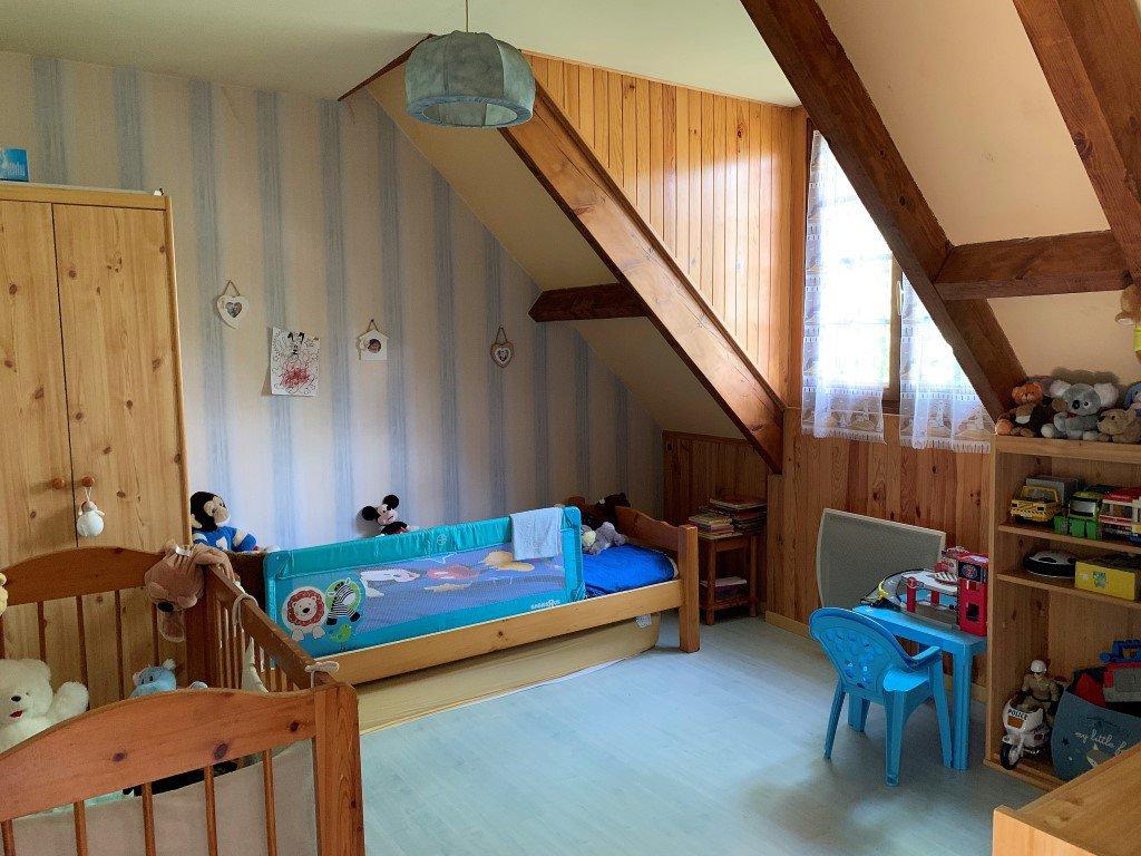 Pavillon 7 pièces, 5 chambres + 1 bureau et s/sol !