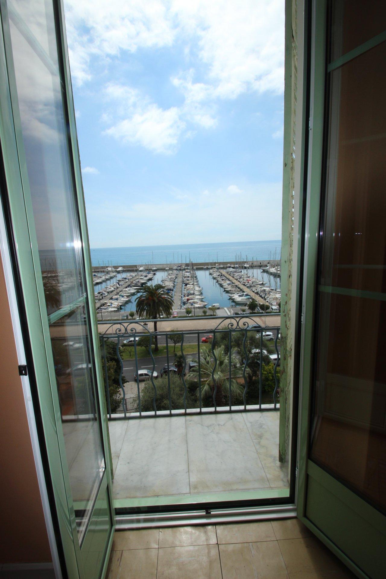 2-room top floor, sea view