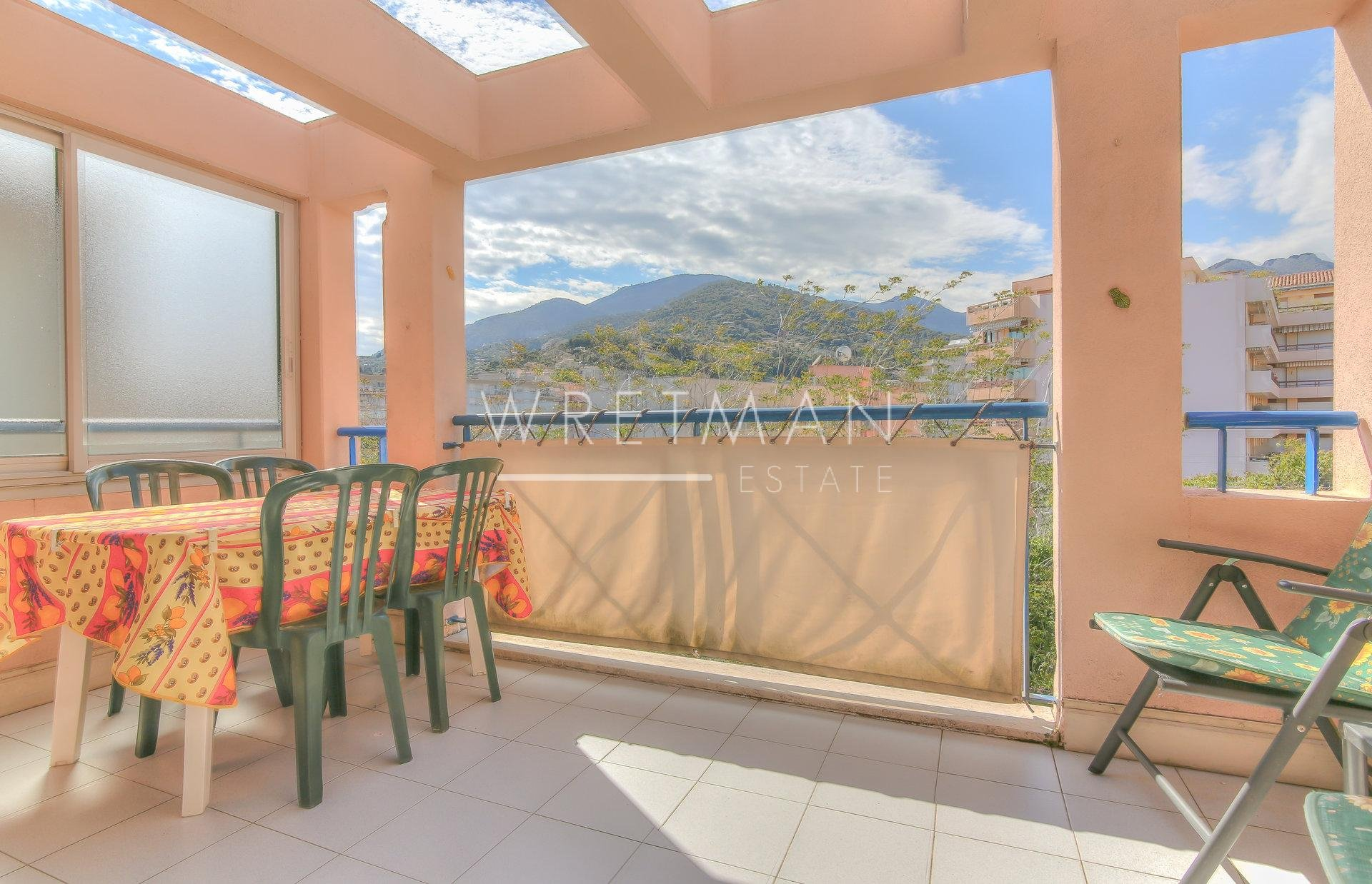 1-bedroom flat with terrace – Menton Madone
