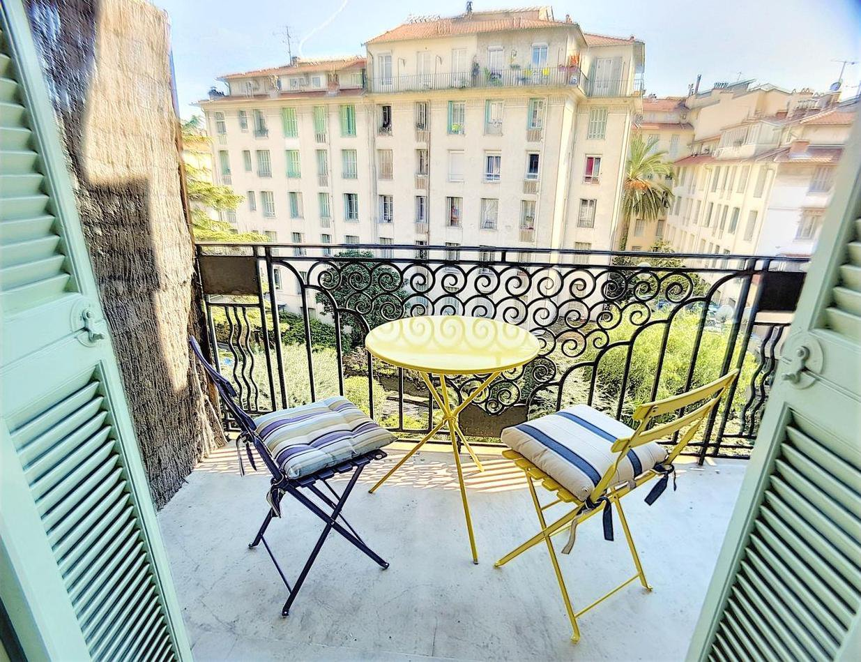 SALE Apartment 4 Rooms Nice Carré d'Or Balconies High Floor Wonderful