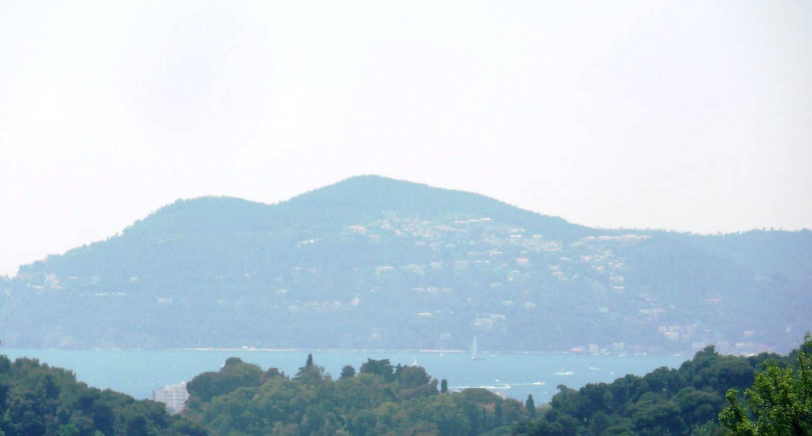 Achat / Vente terrain   Mougins  37500m2 Unique