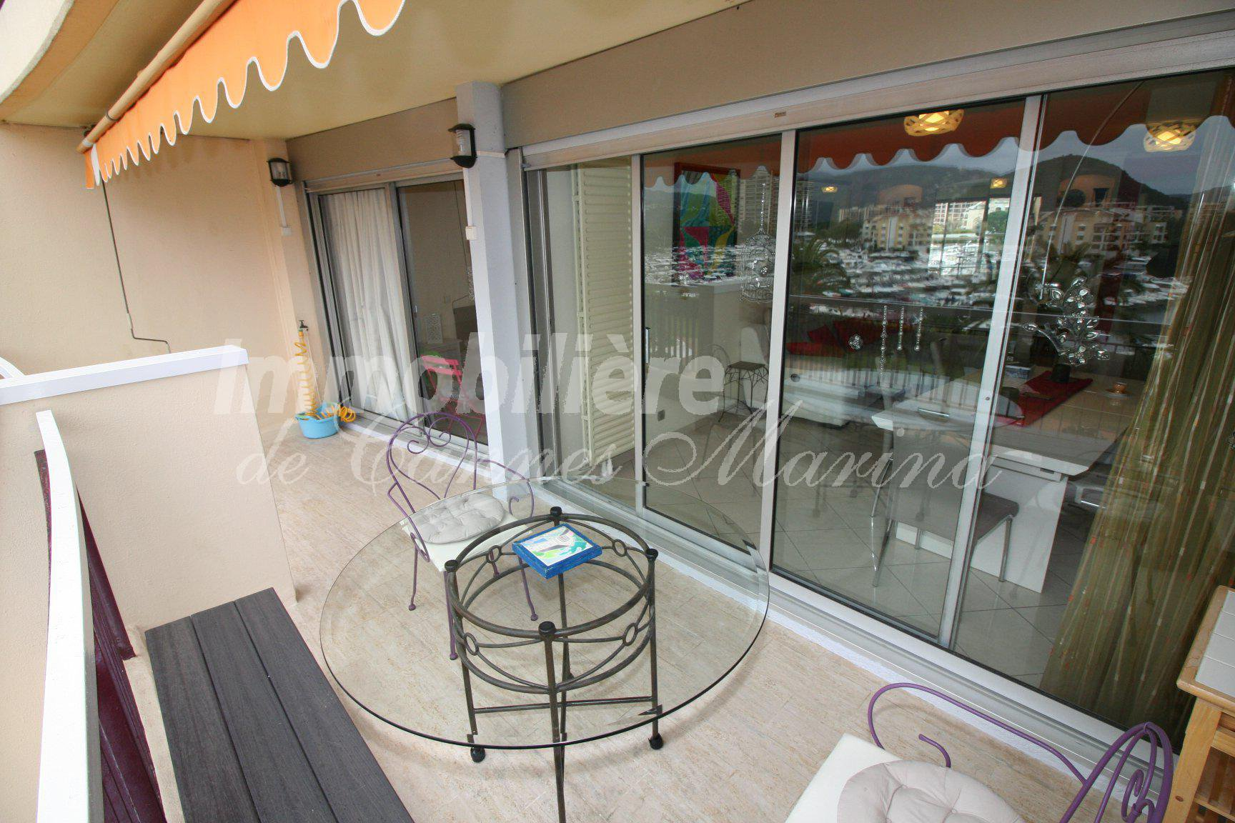 FABULOUS LARGE 3 BEDROOM APARTMENT ON THE MARINA - FULL SOUTH SUN EXPOSURE