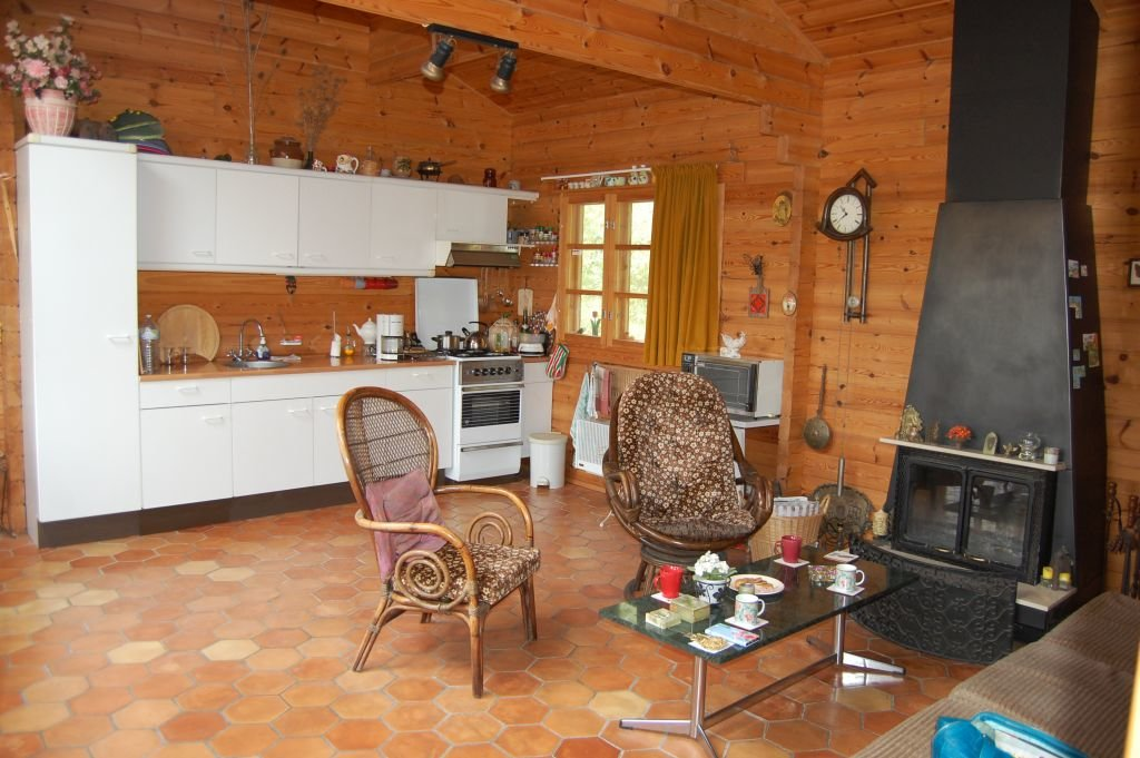 DORDOGNE - Calmly situated chalet with studio and panoramic view