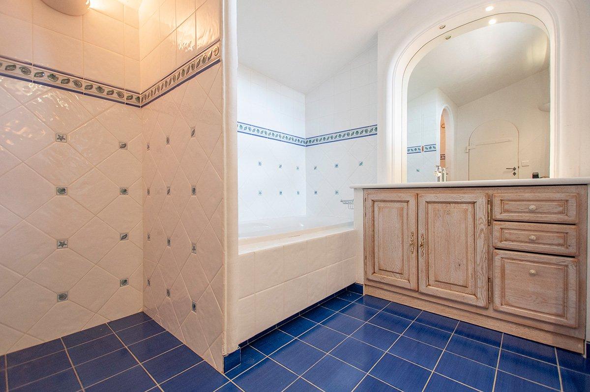Sumptuous Double Villa for sale in Castellaras le Vieux.