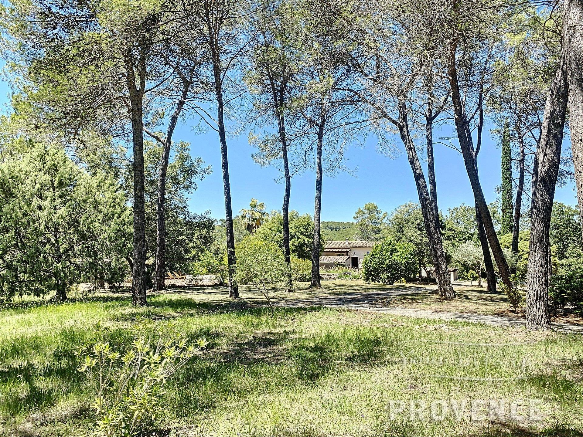 Splendid property with guesthouse on 6 hectares in Taradeau