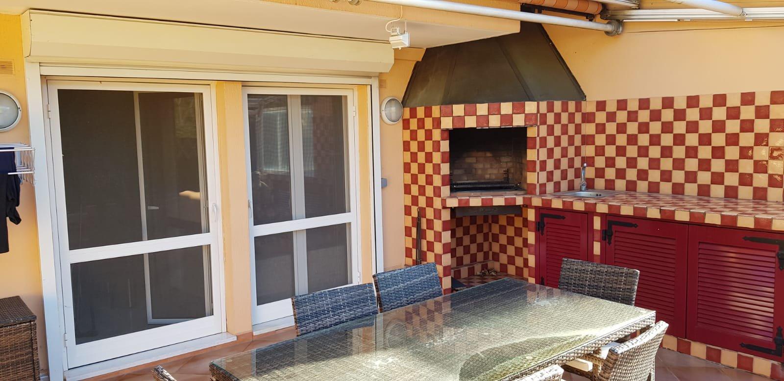 EXCLUSIVITE- Beau 5 pièces en duplex et dernier étage- Terrasses 40m² - Possibilité 2 Garages