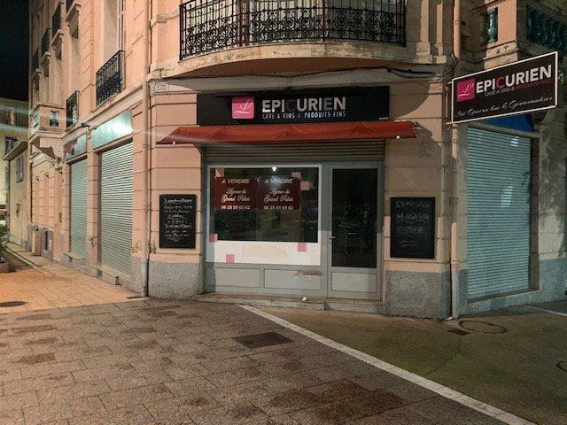 EXCLUSIVITE-Droit au Bail- Local commercial avec 4 vitrines-Place Lorédan-Larchet- Proche rue piétonne