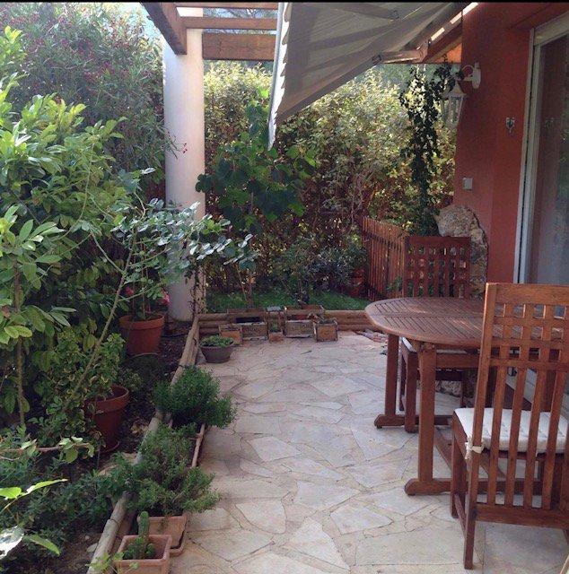 Beau T3 en rez-de-jardin- dans la verdure avec vue dégagée Terrasse et Jardin 70m²