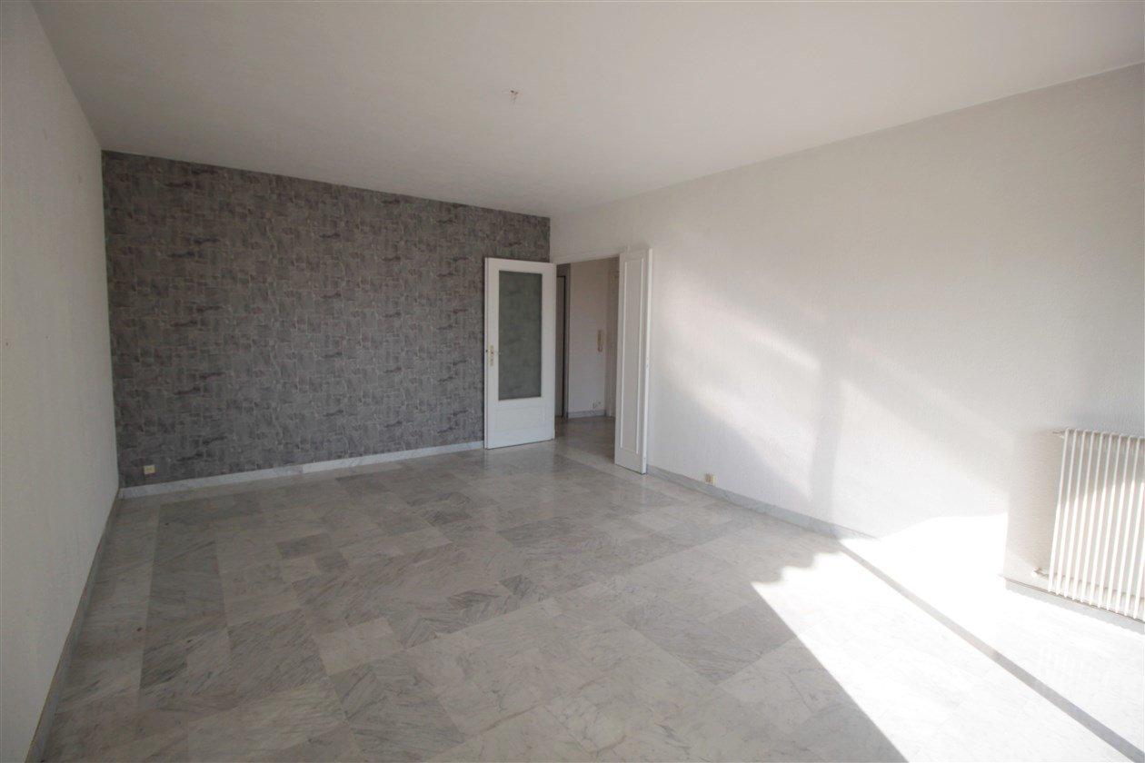 SAINT-LAURENT-DU-VAR - PLATEAUX FLEURIS - 3P 2 chambres