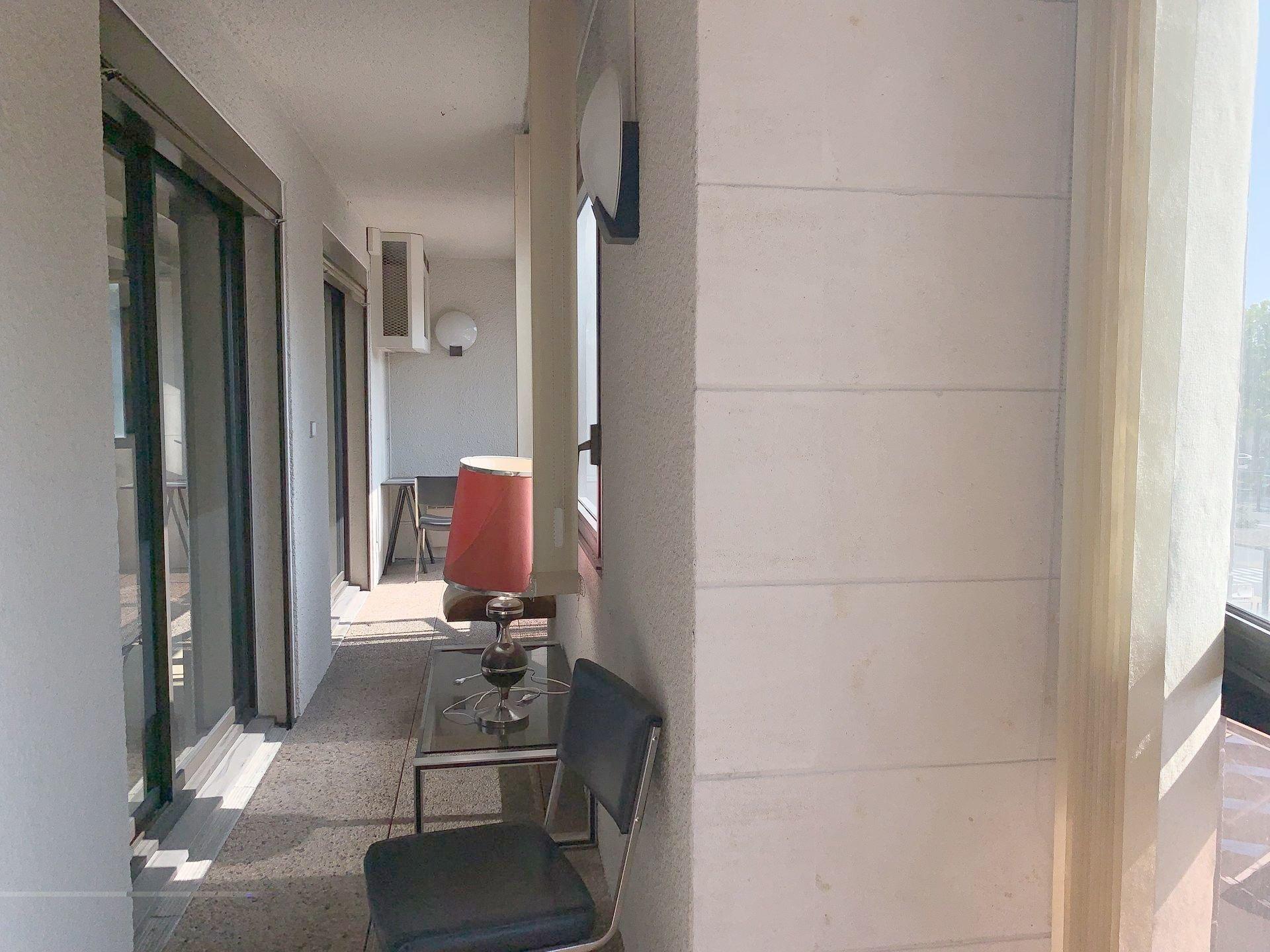 Appartement T2 1er étage avec ascenseur, hyper centre