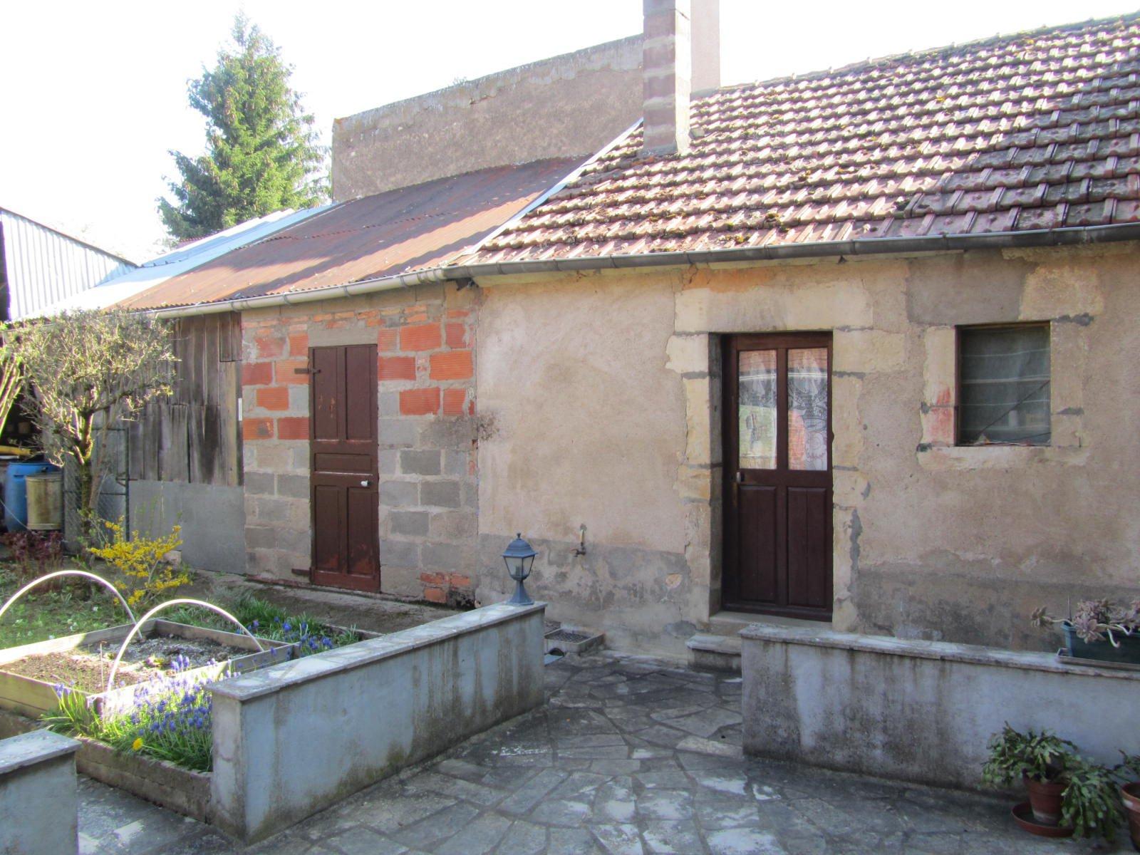 Maison de village - Secteur Donzy