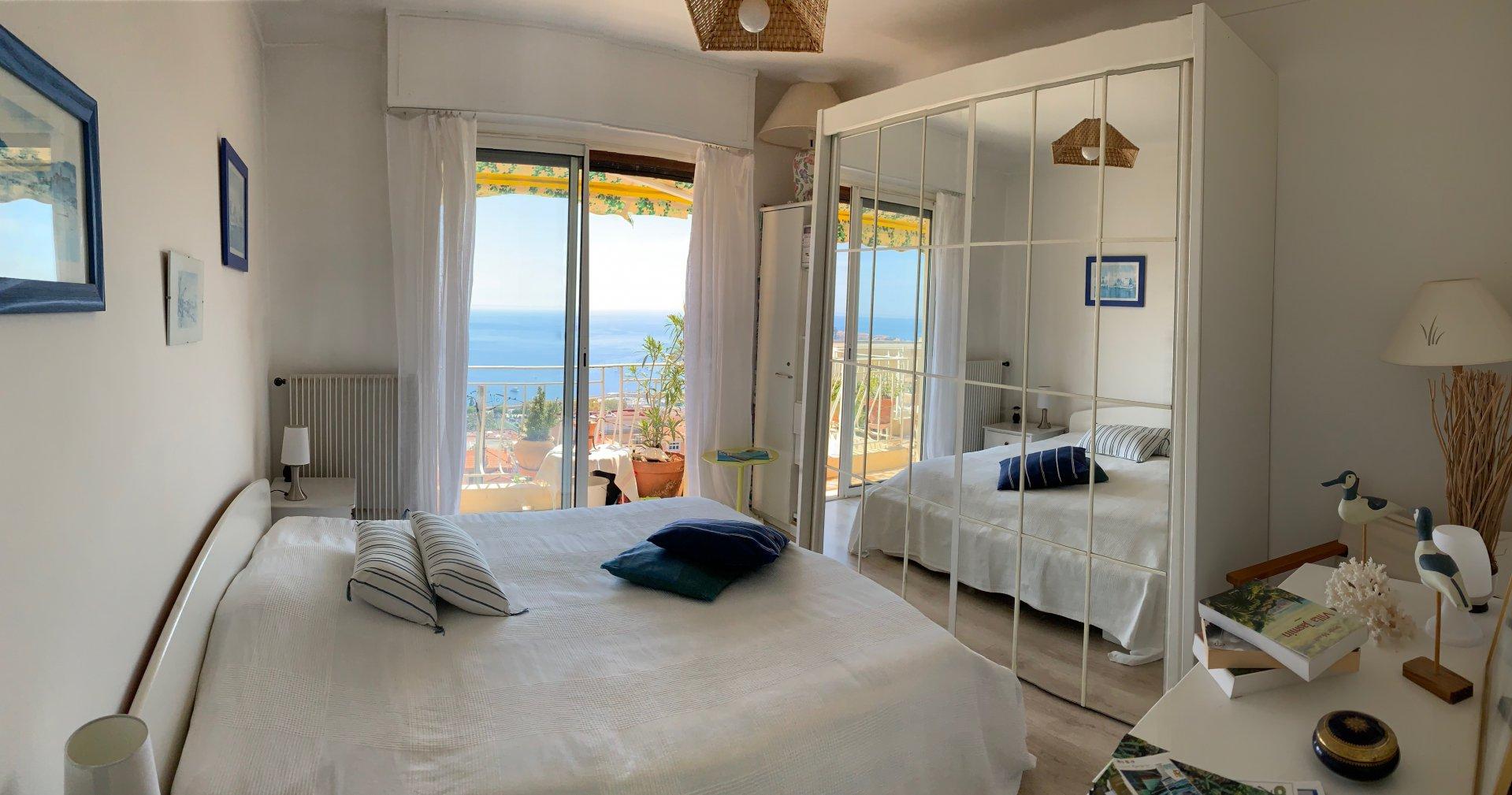 Villefranche-sur-mer 3 pièces dernier étage avec vue panoramique mer