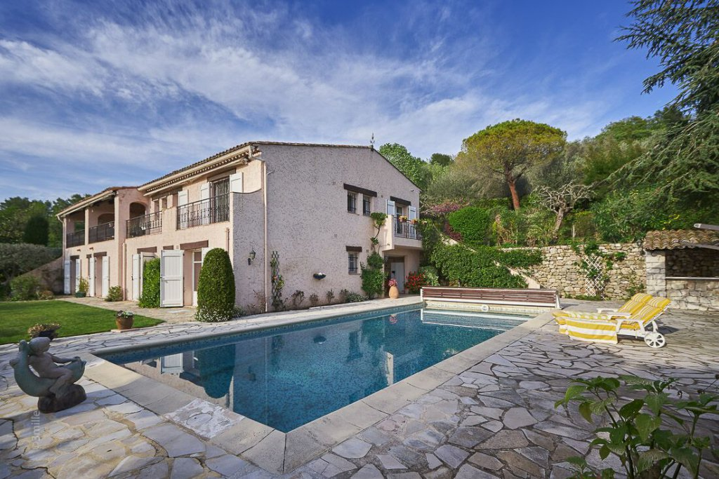 Spacious villa with Panoramic views in Castellaras close to Mougins