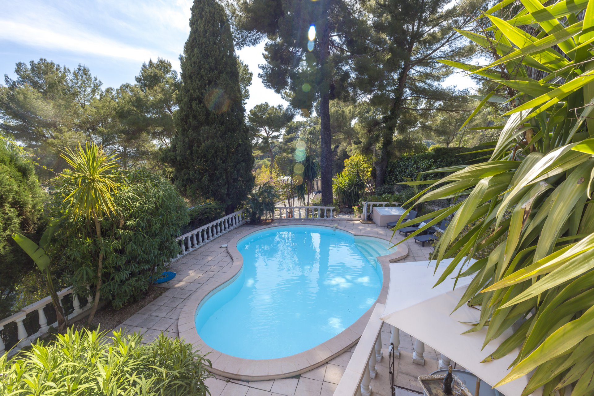 Charming 3 bed town house with swimming pool and Mediterranean garden Mougins