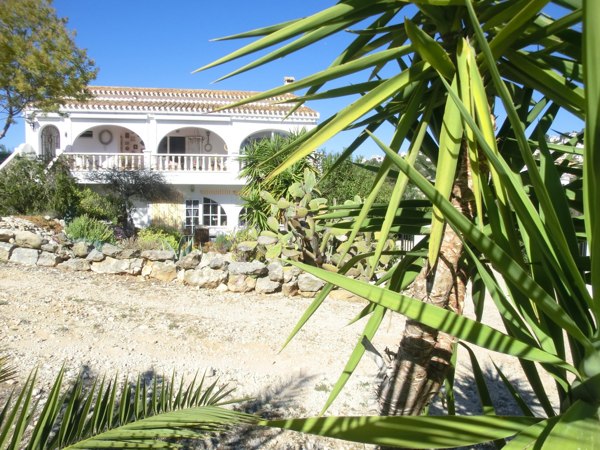 Spacious and secluded country house in beautiful location