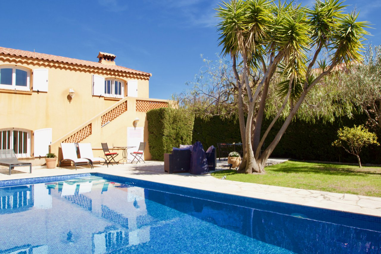 Saint Raphael, Antheor - Villa with apartment and separate guest house on the Mediterranean and Esterel mountains