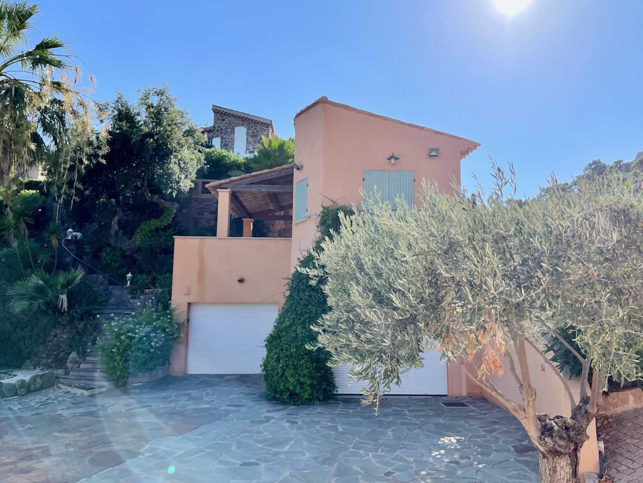 Saint Raphael, Antheor - Spacious villa with separate guest house on the Mediterranean and Esterel mountains