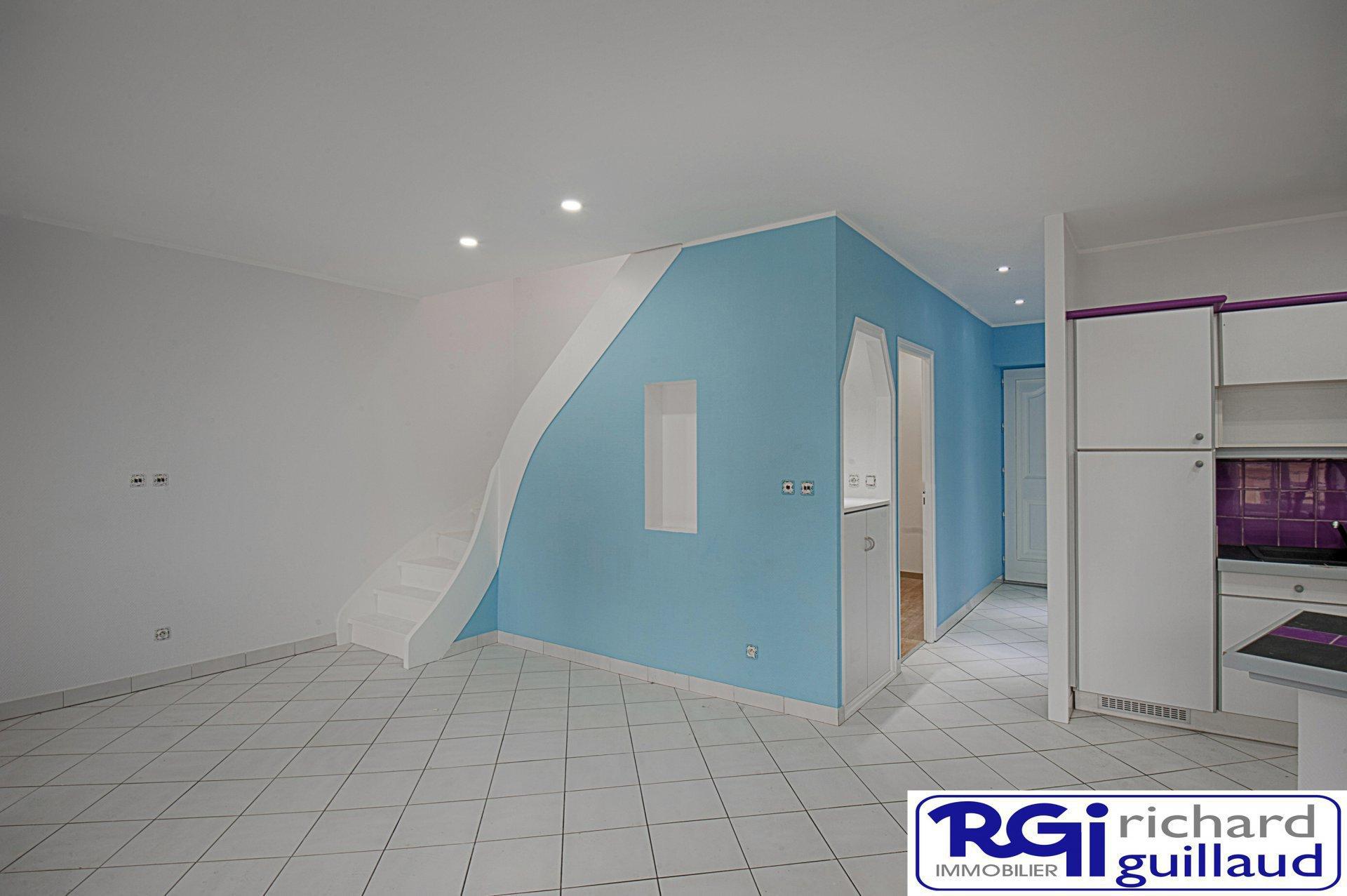Grand T3 refait à neuf 2 chambres 2 SDB et bureau