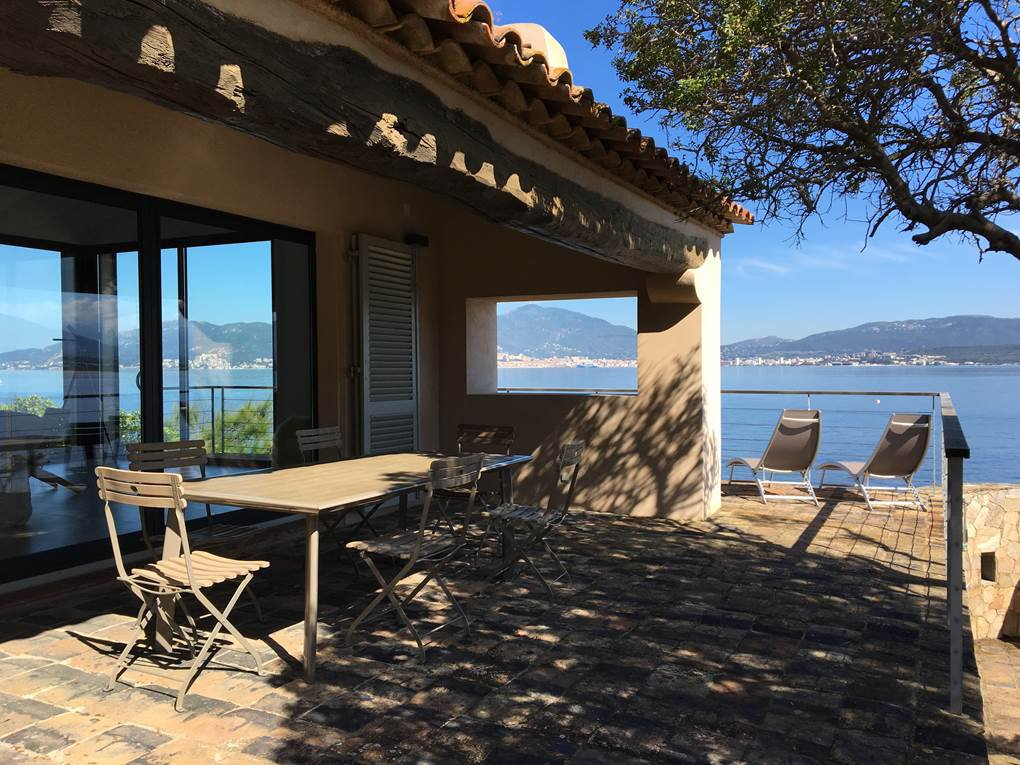 For rent Waterfront villa in Porticcio-Ajaccio Corsica