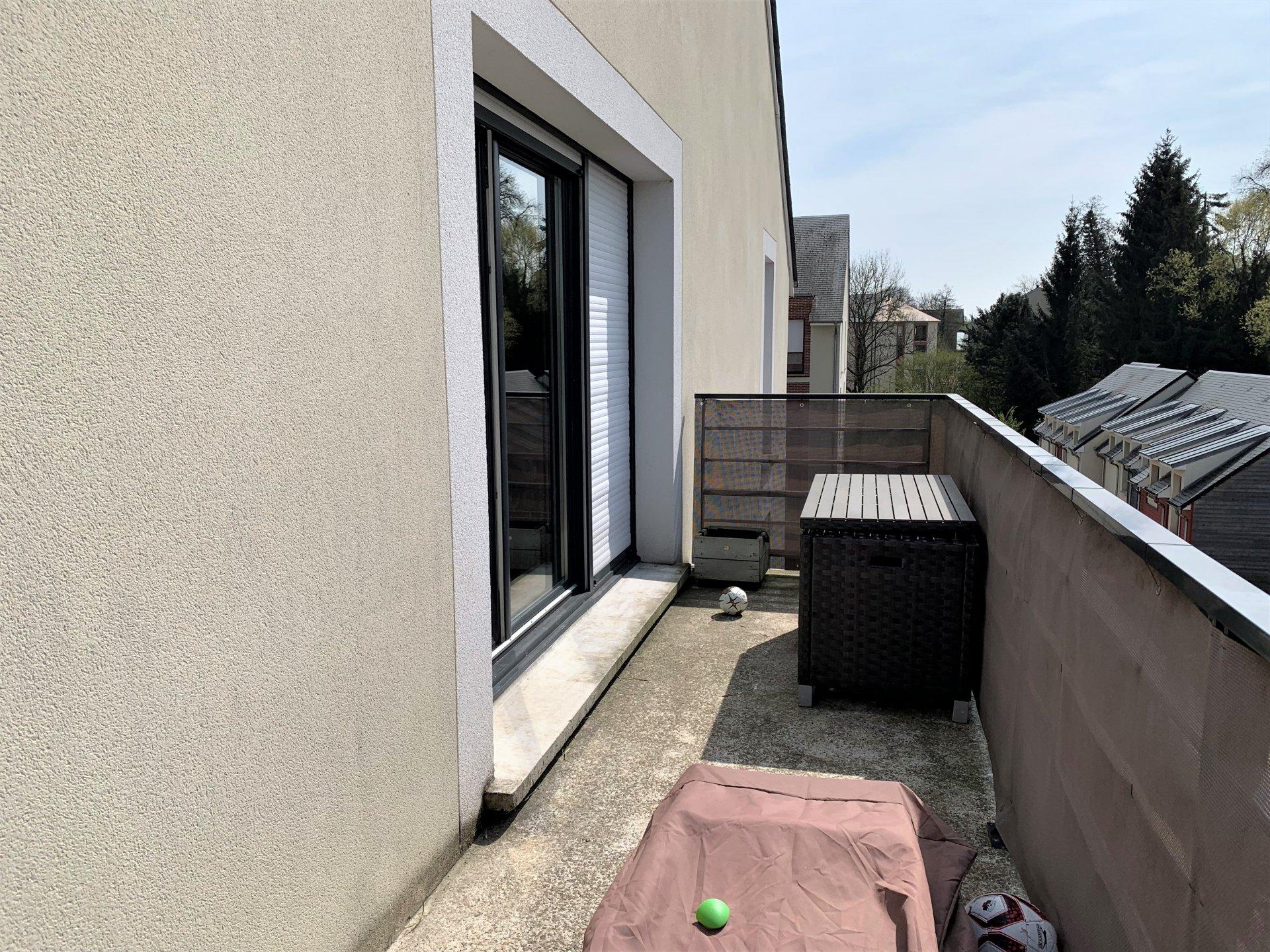 T3 à Notre-Dame-De-Bondeville avec balcon et place de parking