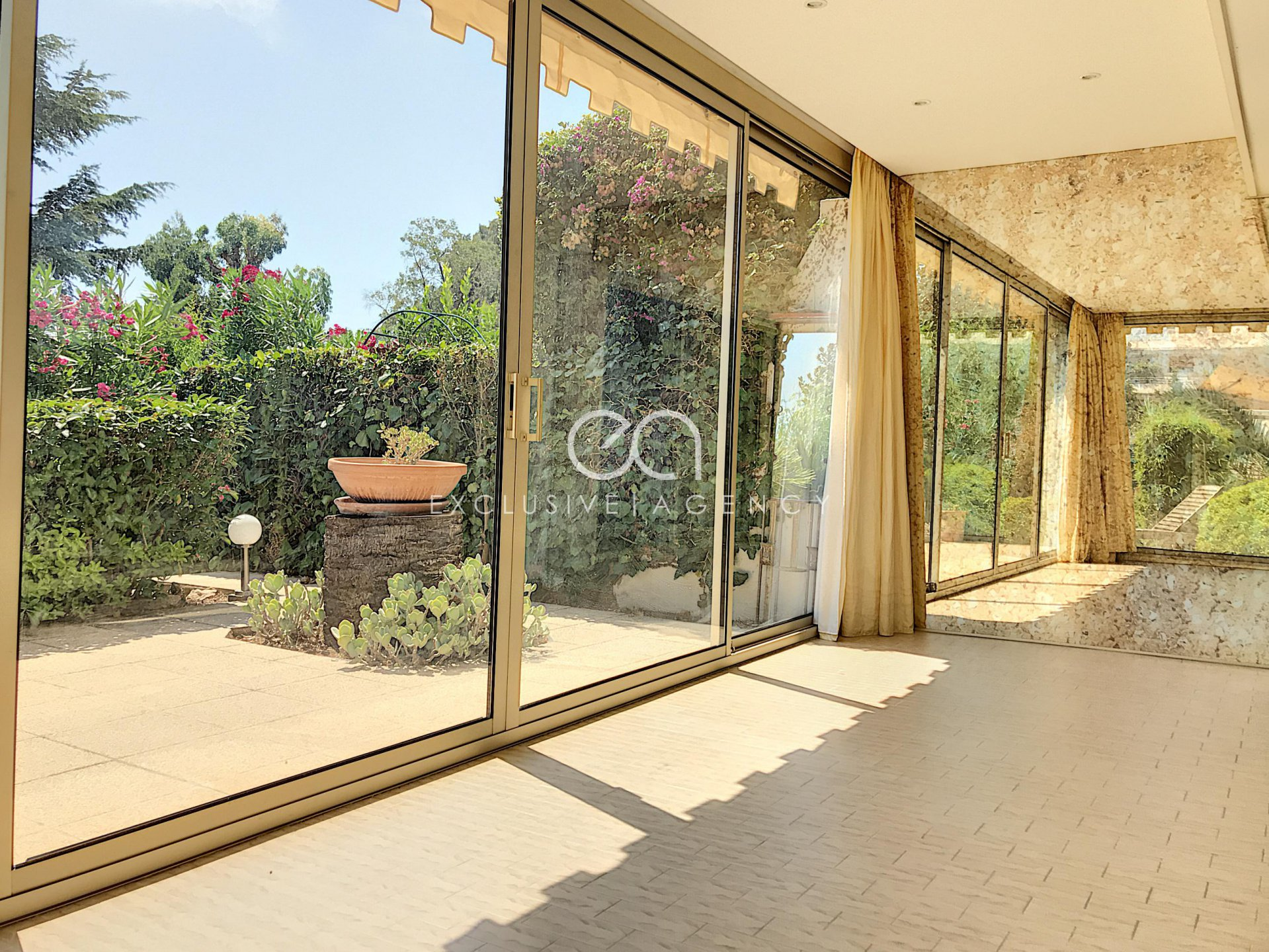 CANNES SALE REZ OF GARDEN 2 ROOMS 57SQM WITH TERRACE AND GARDEN