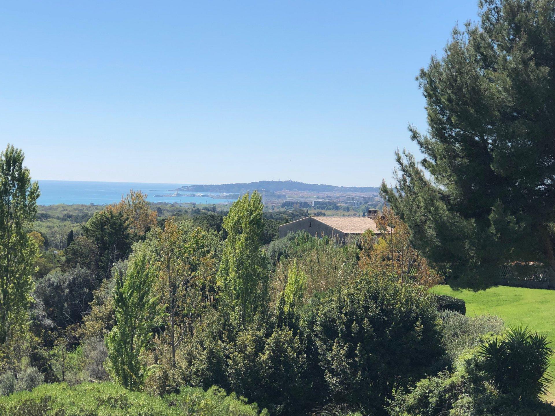 vue mer panoramique 3 Pièces avec ascenseur 410000
