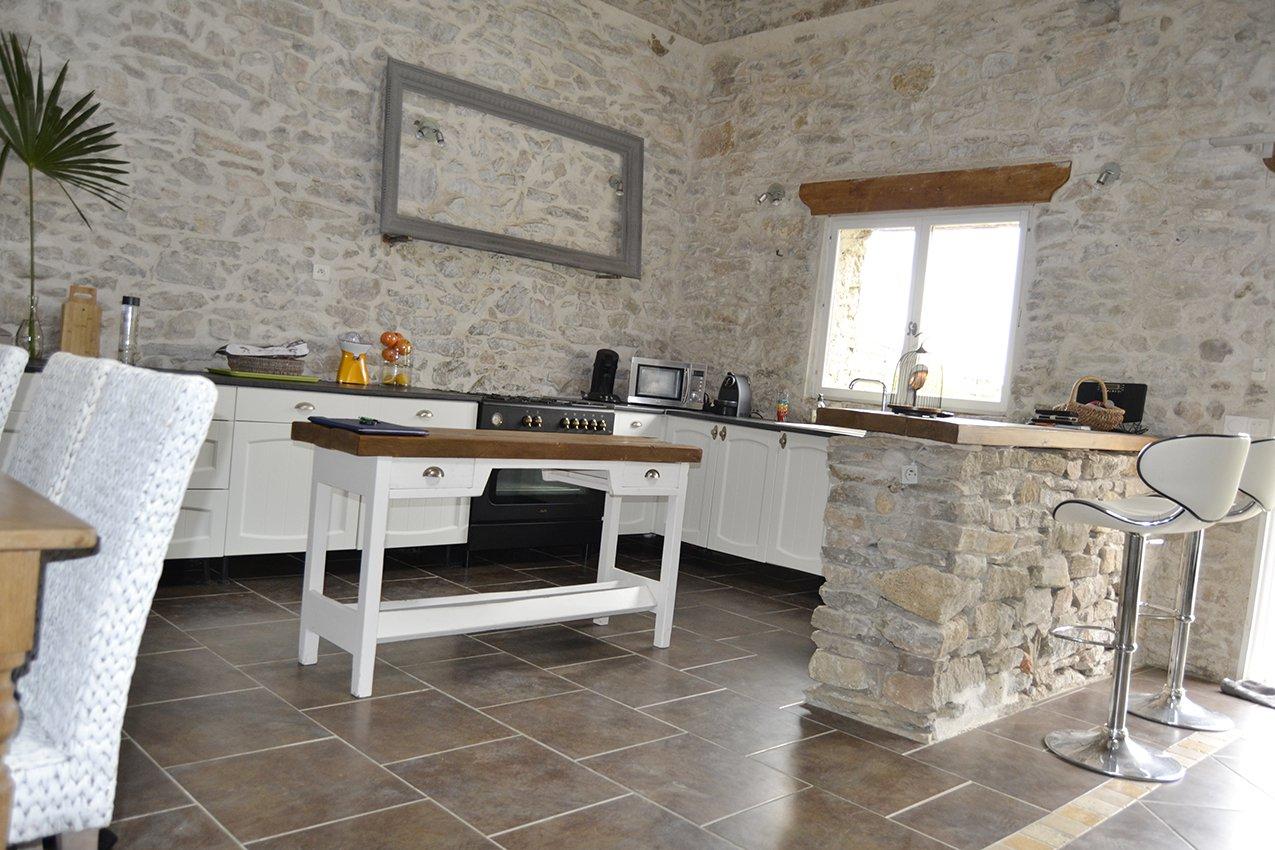 Lovely stone loft 150 m² + garden, pool and garage