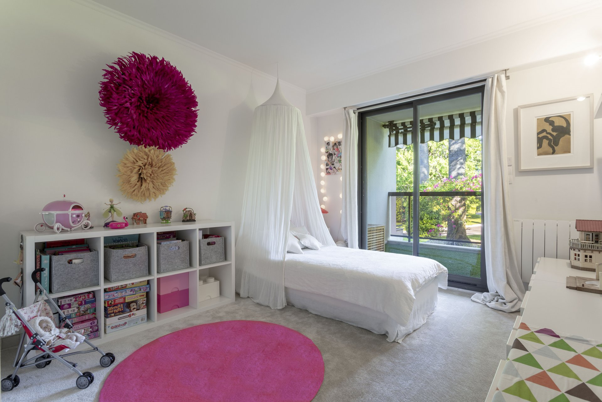 CANNES MONTROSE - PLEASANT 3-BEDROOM APARTMENT