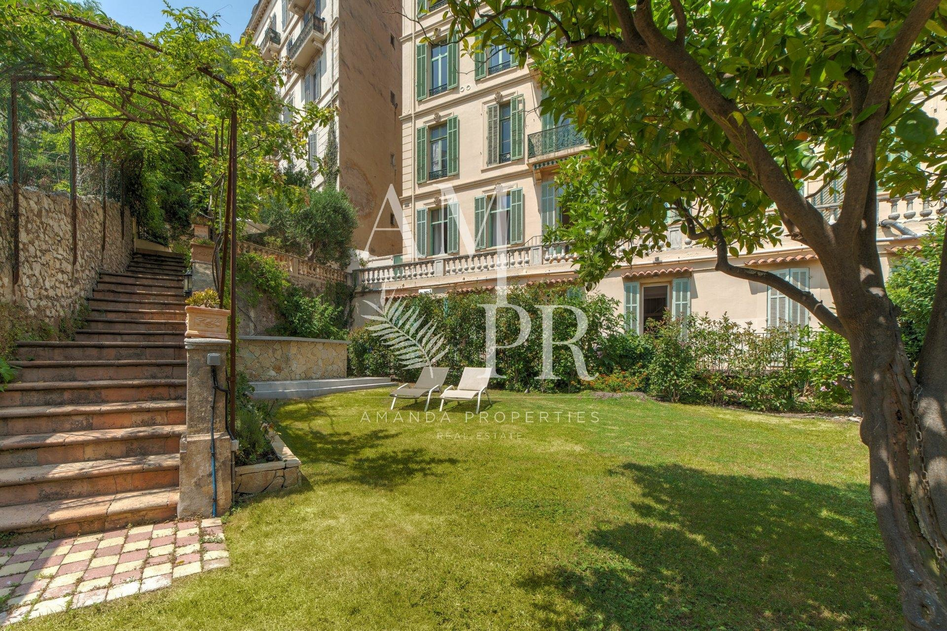 Cannes centre Appartement spacieux 3 chambres jardin  Congrès/Vacances/Weekend/Longues et courtes périodes