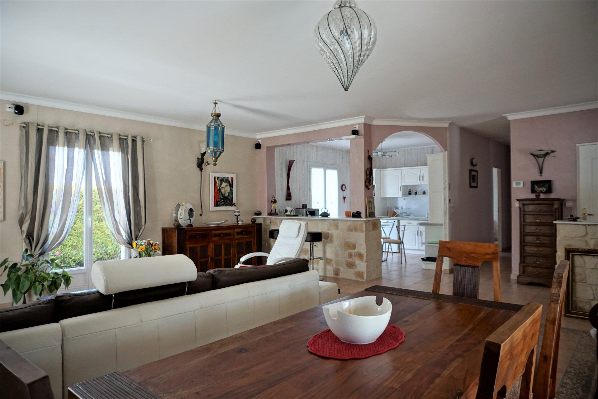 Sale Villa - Lucenay