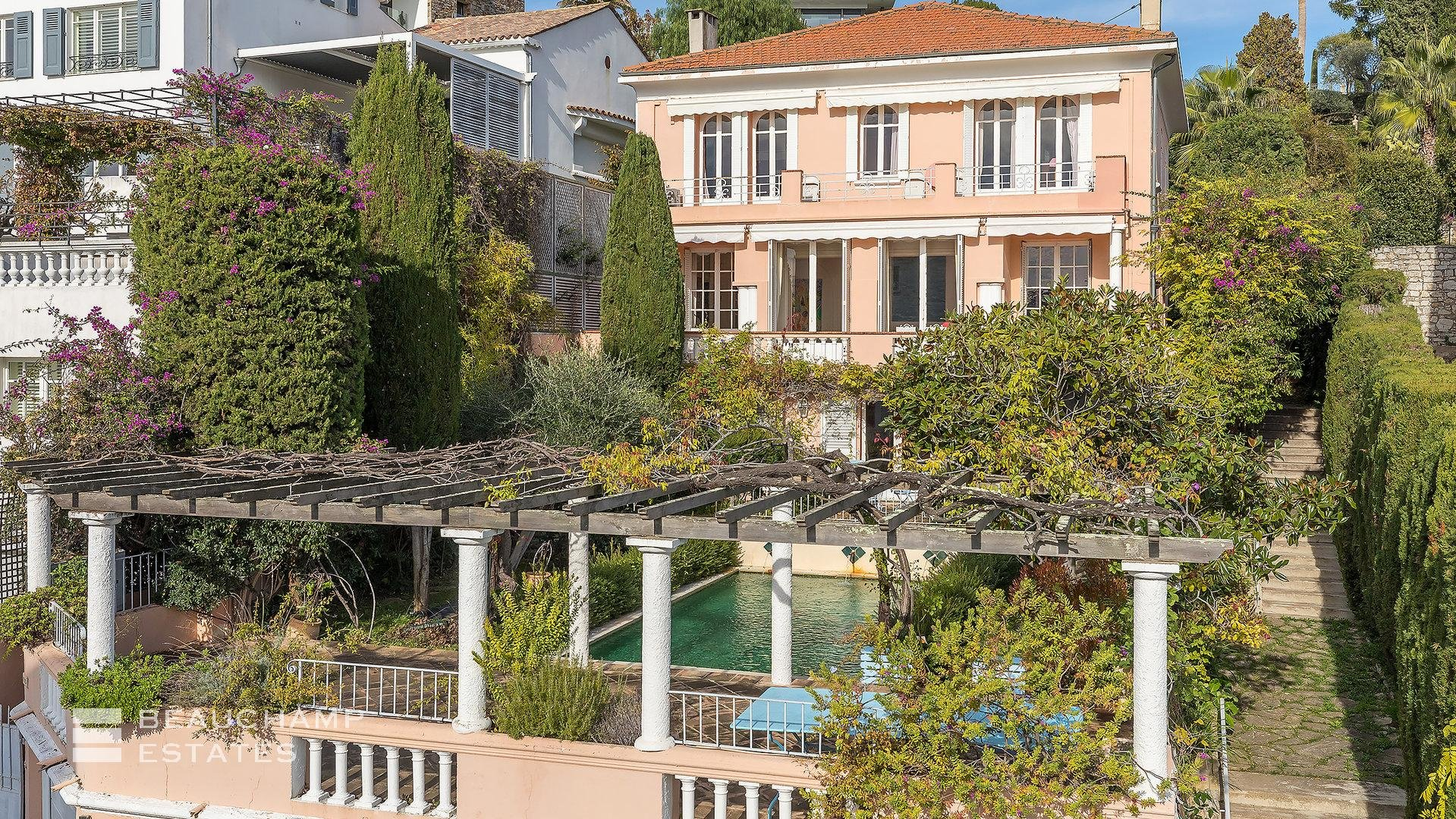Charming house located on the hills of Cannes