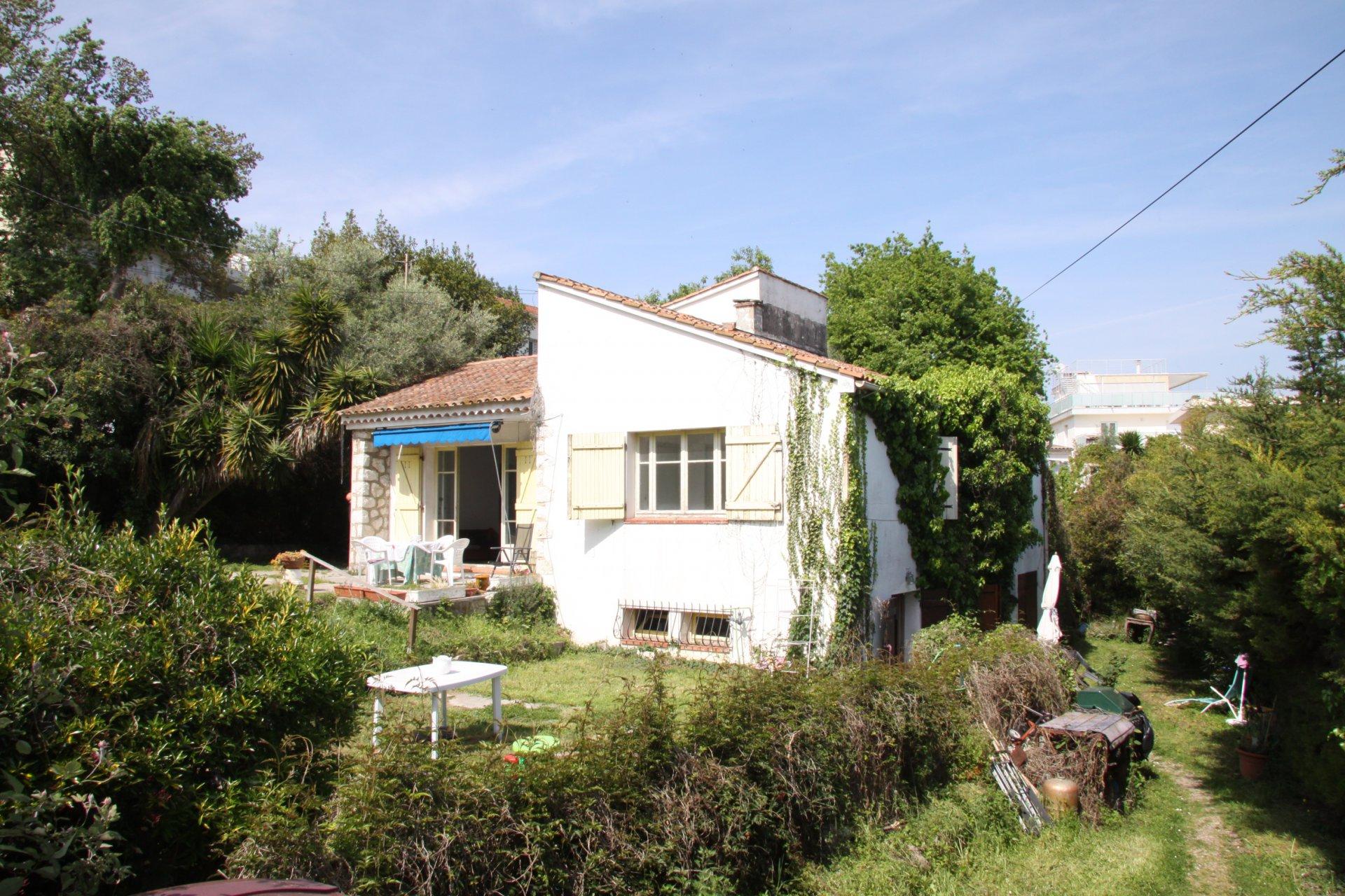 Maison de 180 m2 à rénover sur jardin de 800 m2