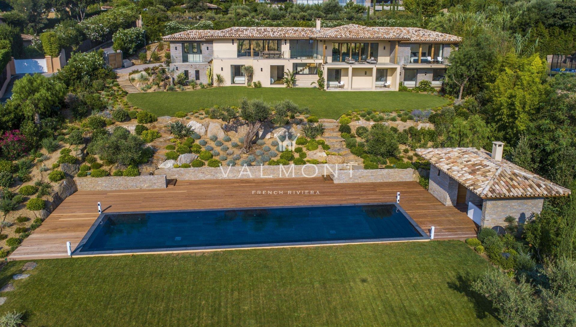 Sublime villa neuve avec vues imprenables