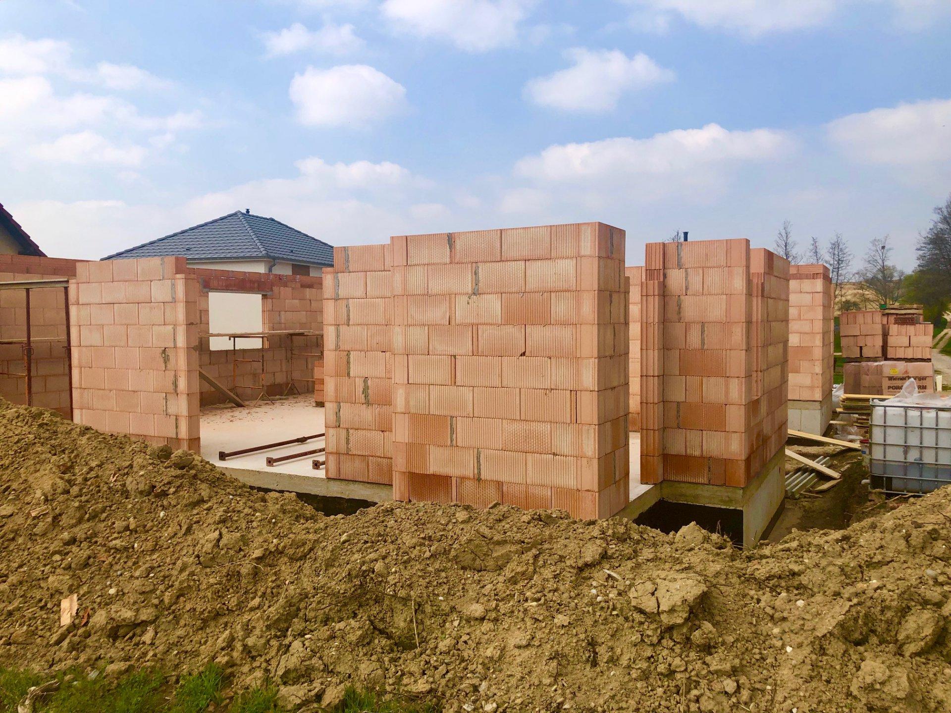 EN CONSTRUCTION. Maisons neuves au choix !