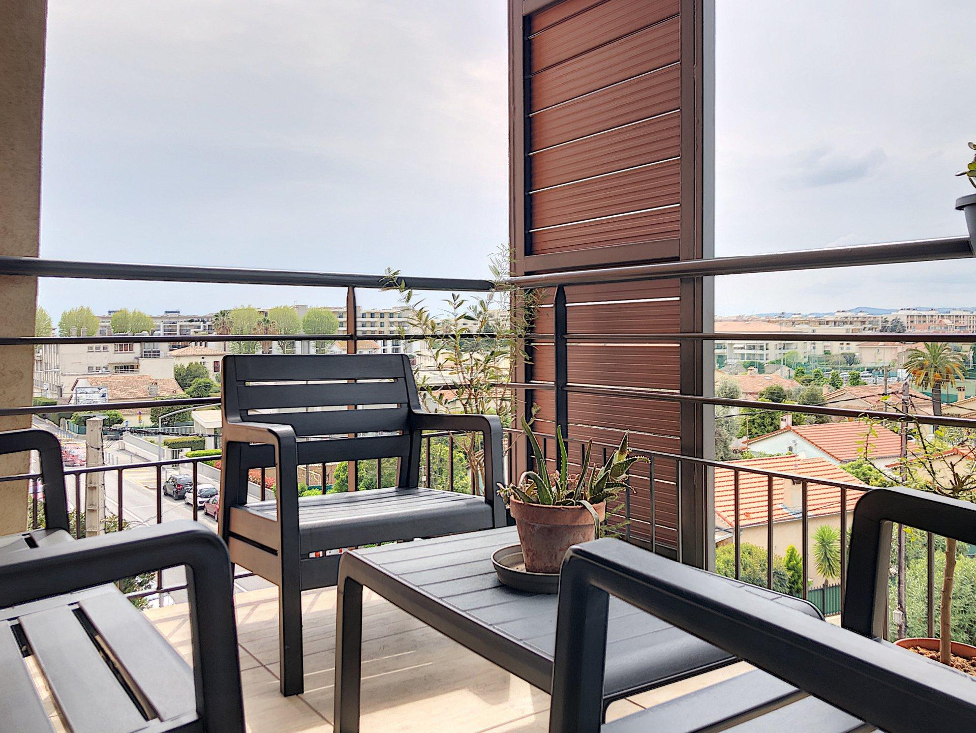 Cagnes sur Mer (06800) - Appartement 3 pièces - Terrasse - Résidence récente