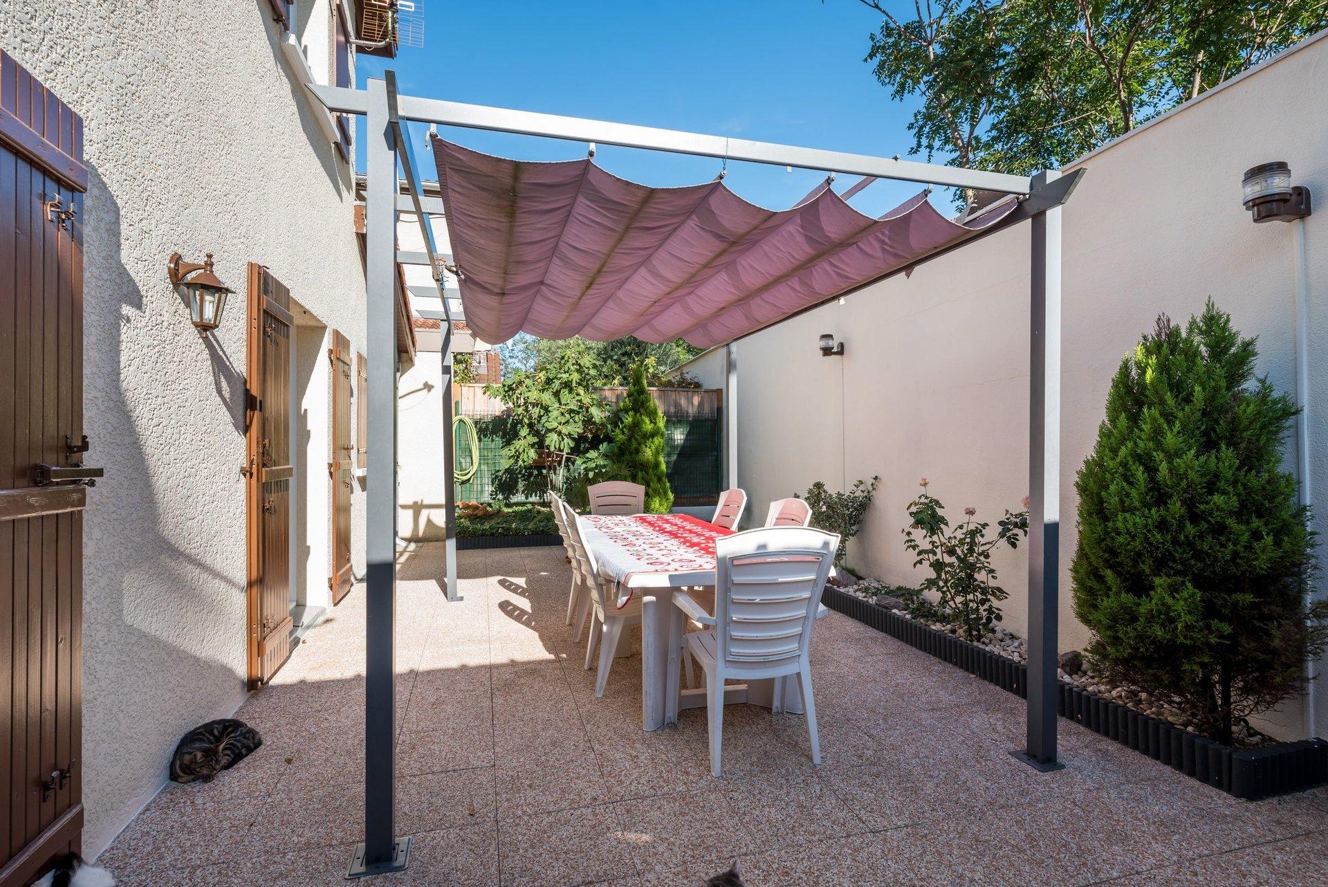 Sale House - Villeurbanne