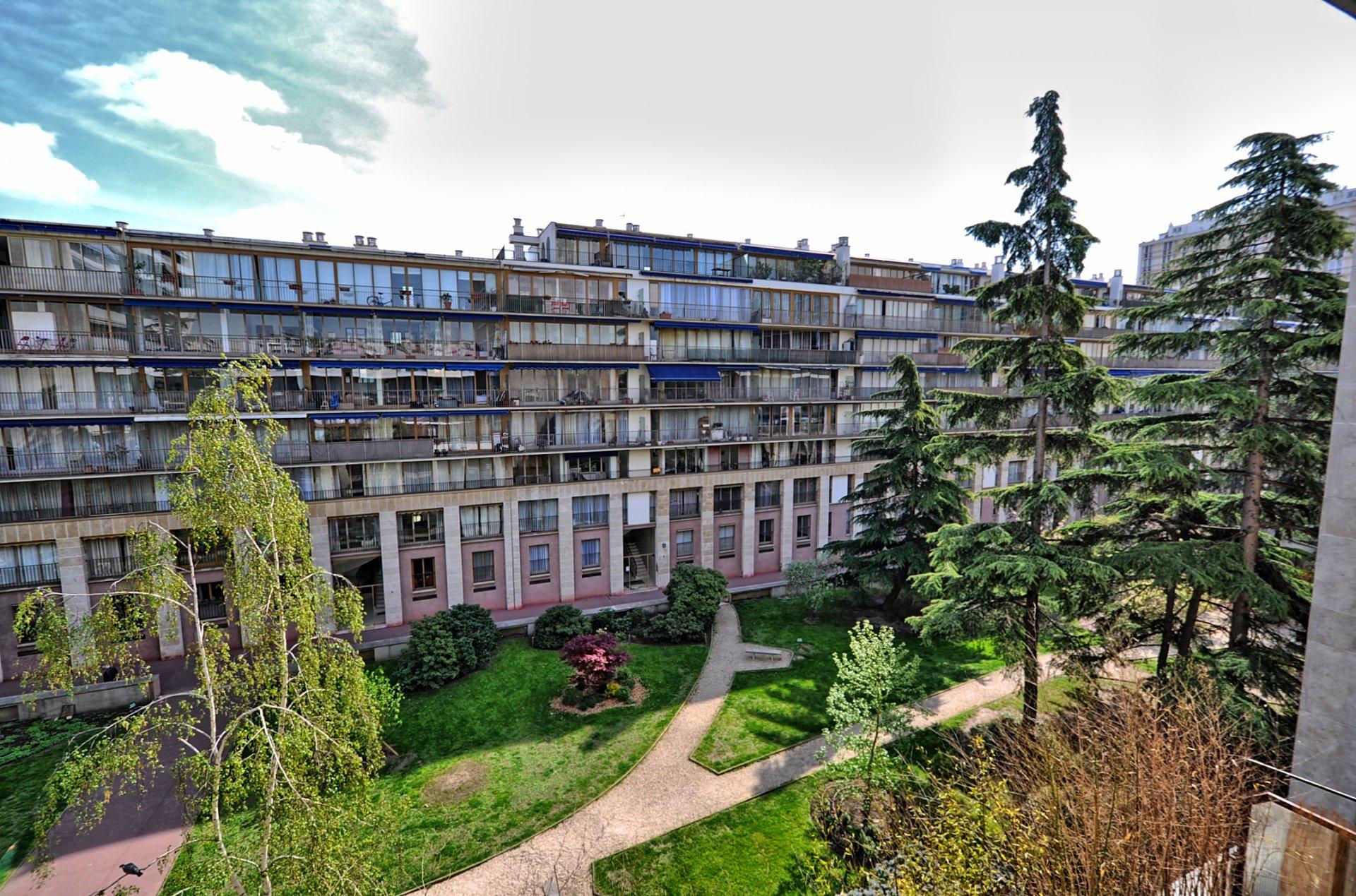 Point du Jour / Jean Jaurès - 4p à rénover - dernier étage