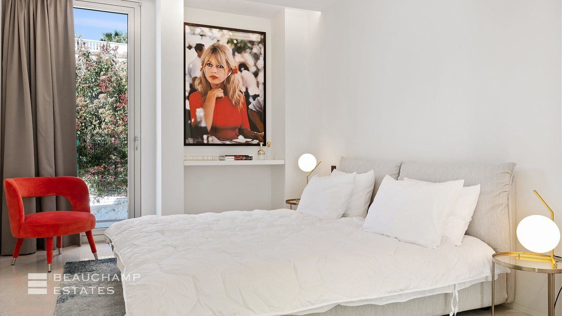 Superbe villa contemporaine située à Cannes Californie