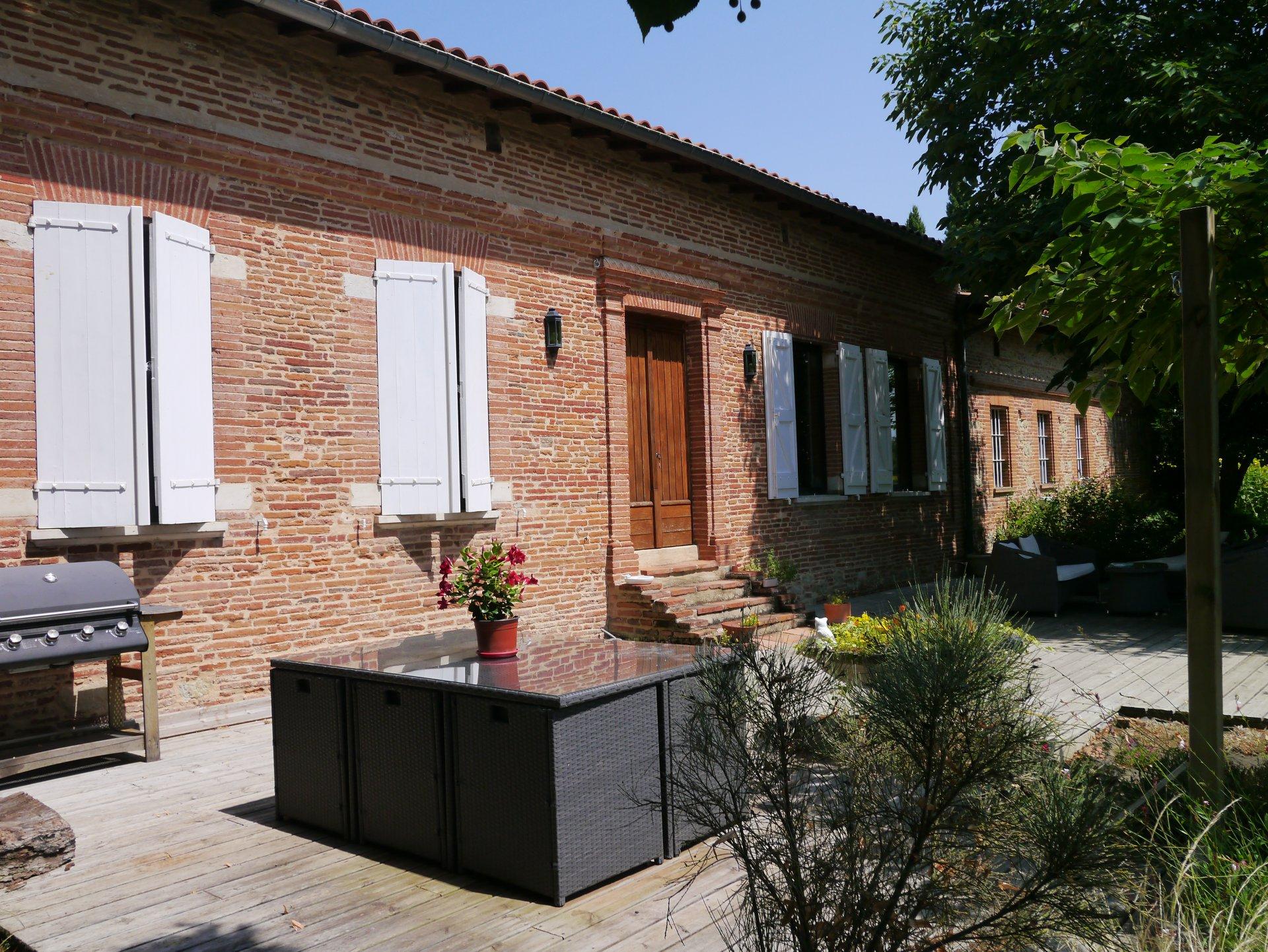 CARAMAN Ferme rénovée T5 sur parc à 30 minutes de Toulouse